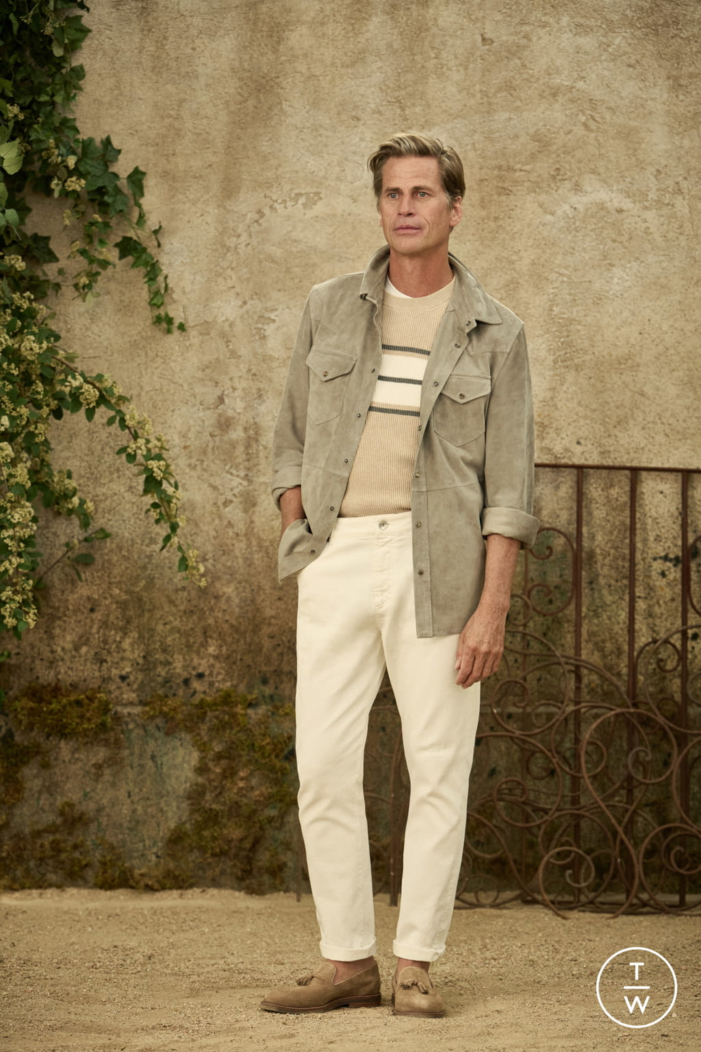 Fashion Week Milan Spring/Summer 2022 look 9 from the Brunello Cucinelli collection menswear