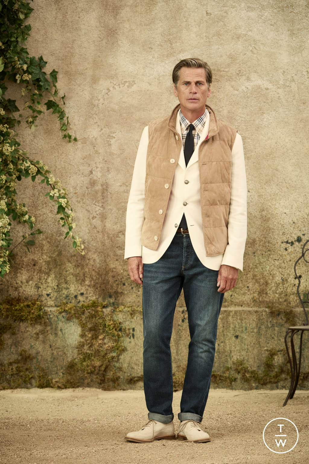 Fashion Week Milan Spring/Summer 2022 look 10 from the Brunello Cucinelli collection menswear