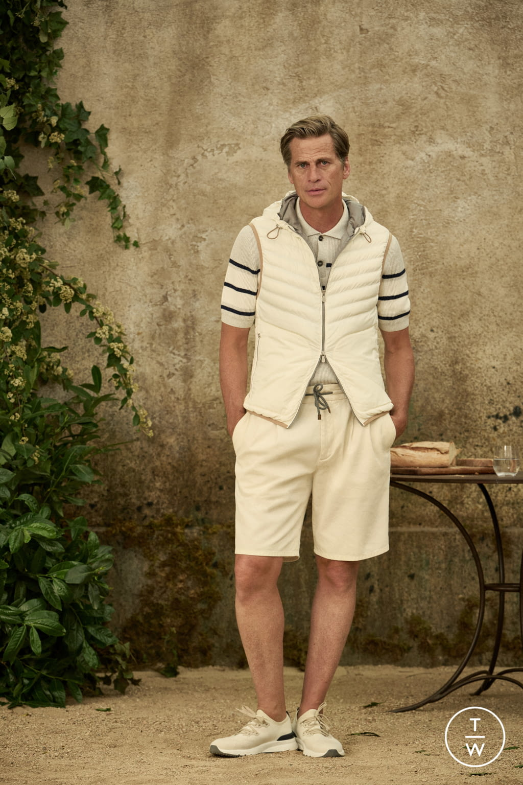 Fashion Week Milan Spring/Summer 2022 look 11 from the Brunello Cucinelli collection menswear