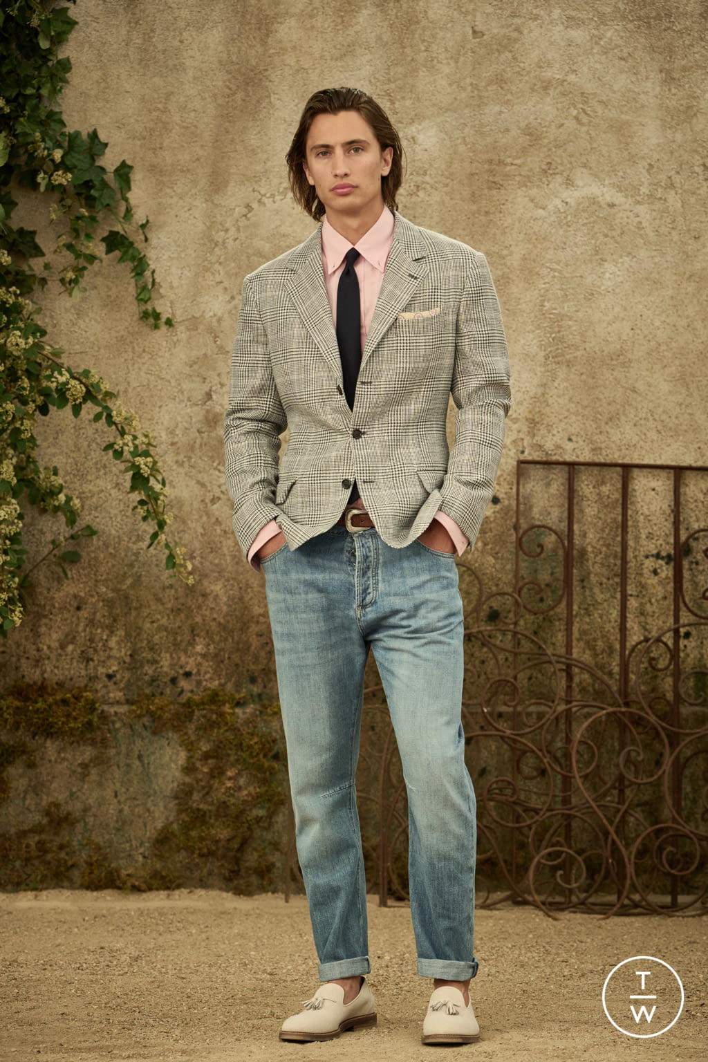 Fashion Week Milan Spring/Summer 2022 look 12 from the Brunello Cucinelli collection menswear