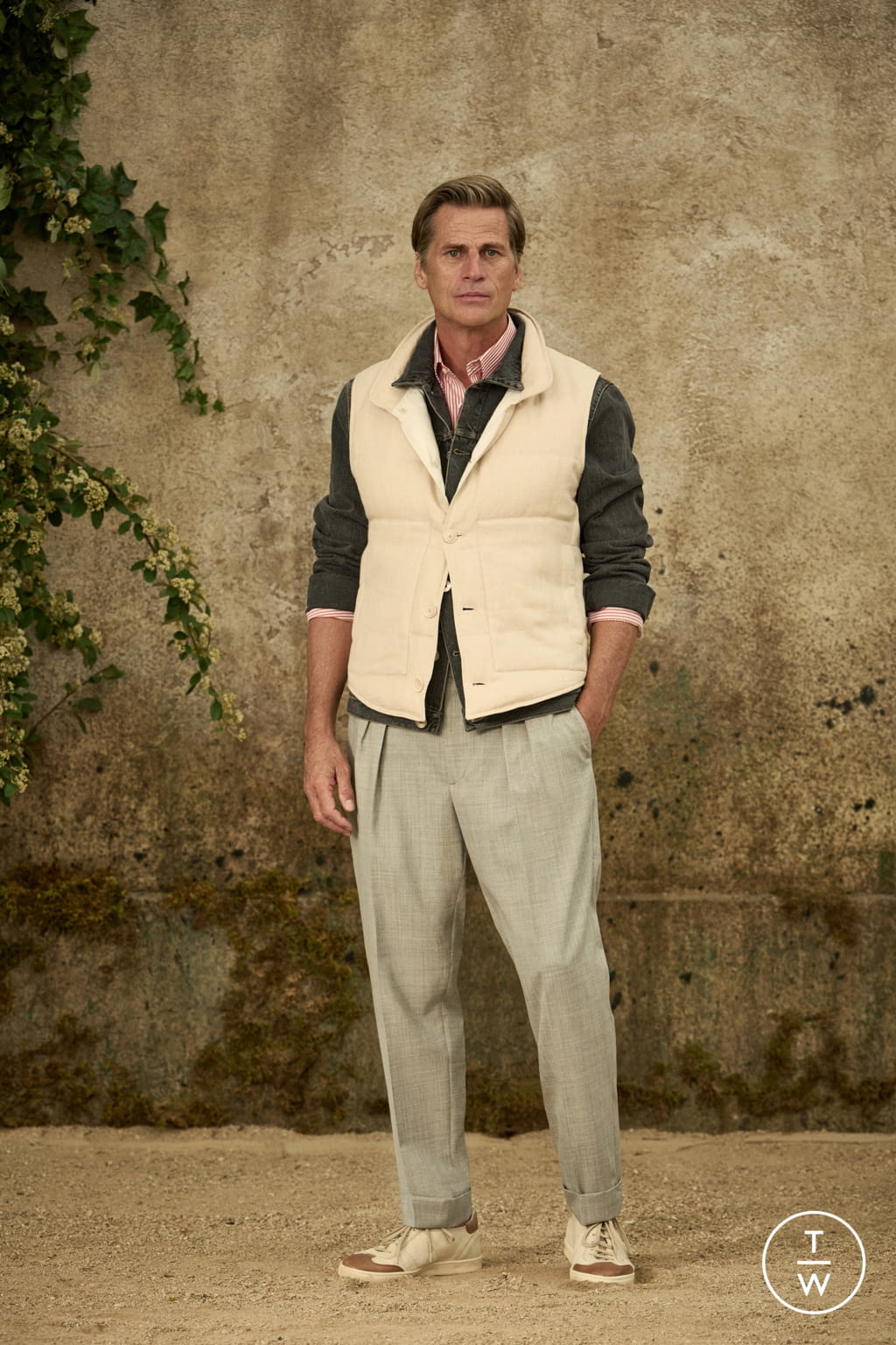 Fashion Week Milan Spring/Summer 2022 look 14 from the Brunello Cucinelli collection menswear