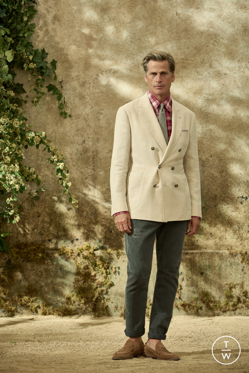 Fashion Week Milan Spring/Summer 2022 look 15 from the Brunello Cucinelli collection menswear
