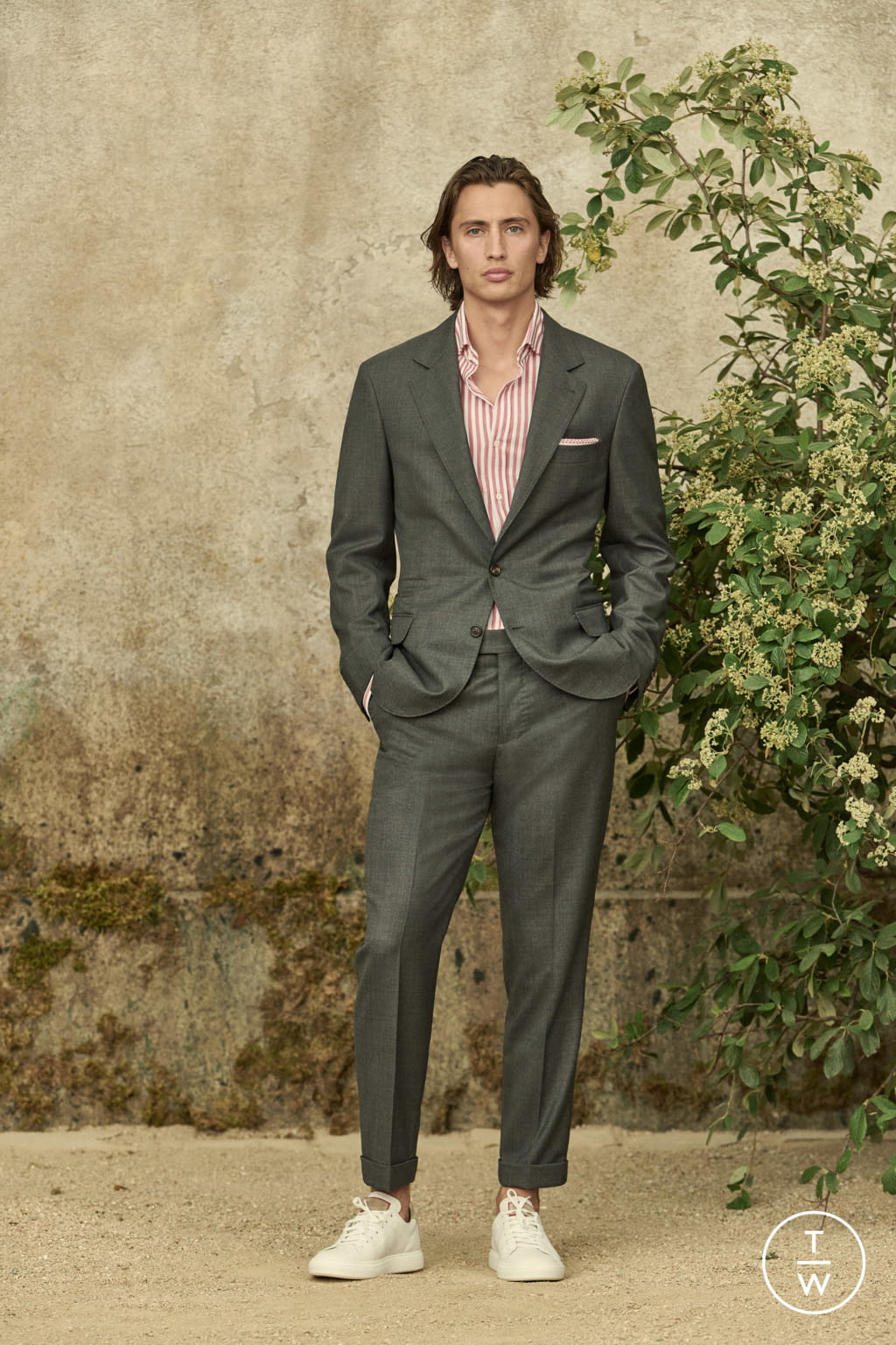 Fashion Week Milan Spring/Summer 2022 look 16 from the Brunello Cucinelli collection menswear