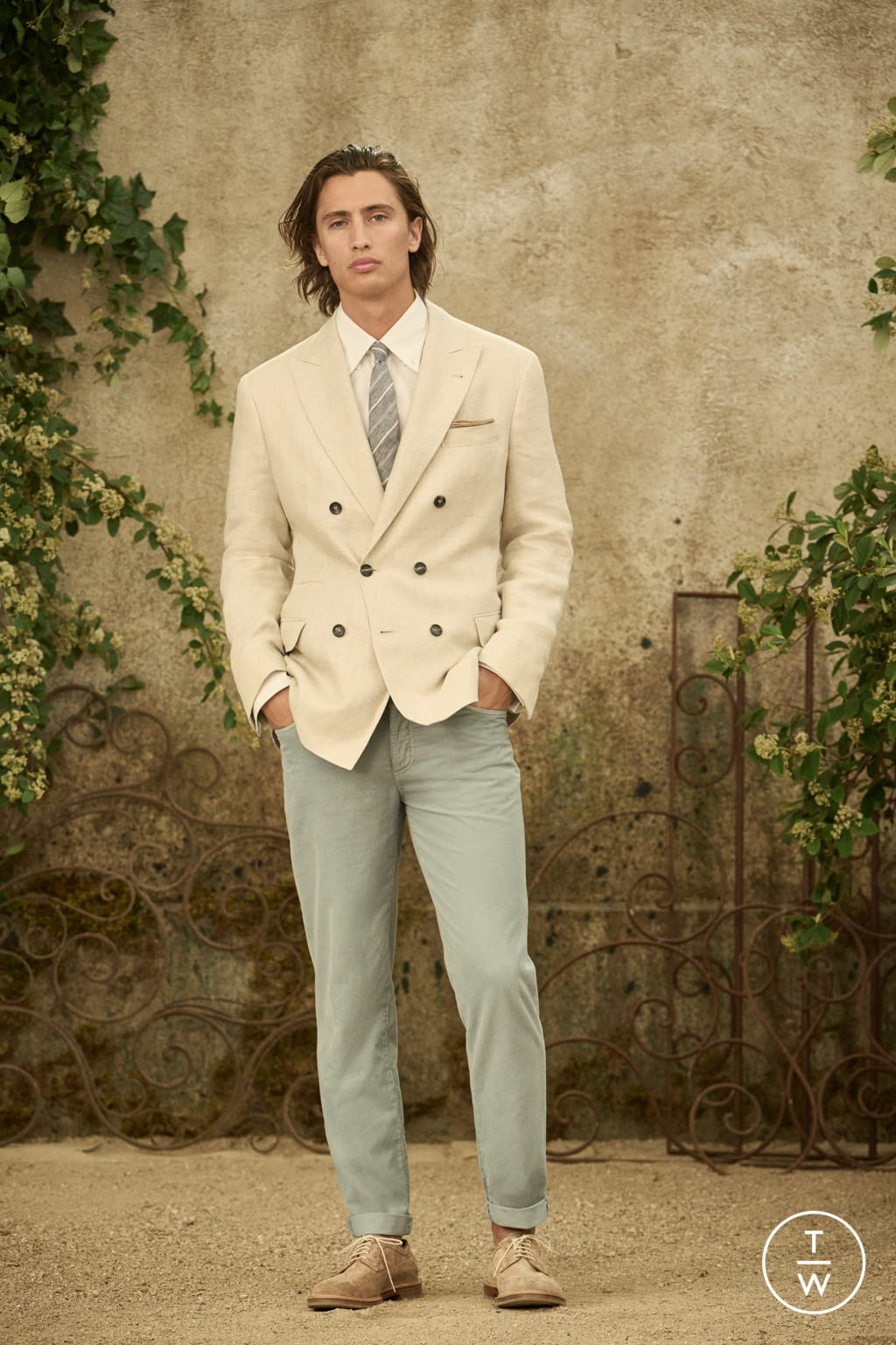 Fashion Week Milan Spring/Summer 2022 look 20 from the Brunello Cucinelli collection menswear