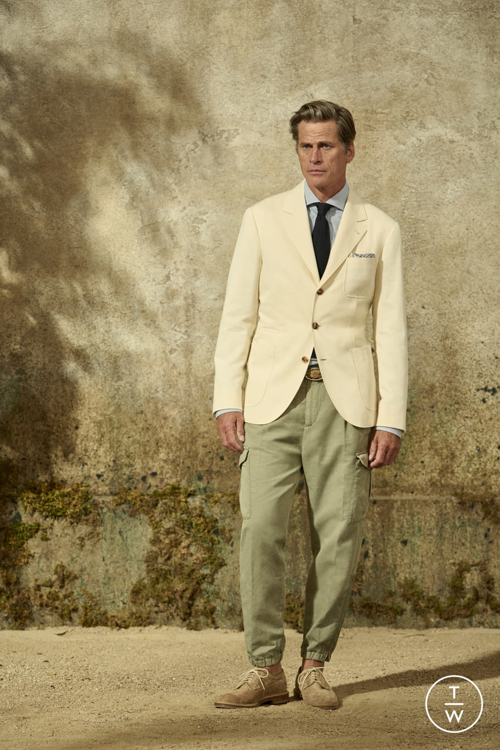 Fashion Week Milan Spring/Summer 2022 look 22 from the Brunello Cucinelli collection menswear