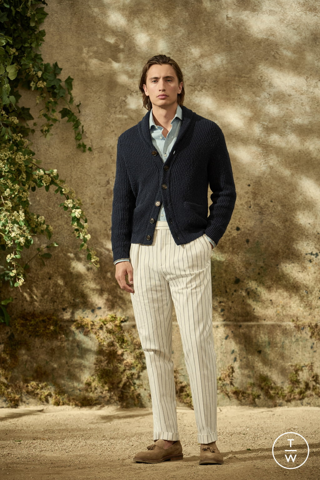 Fashion Week Milan Spring/Summer 2022 look 26 from the Brunello Cucinelli collection menswear