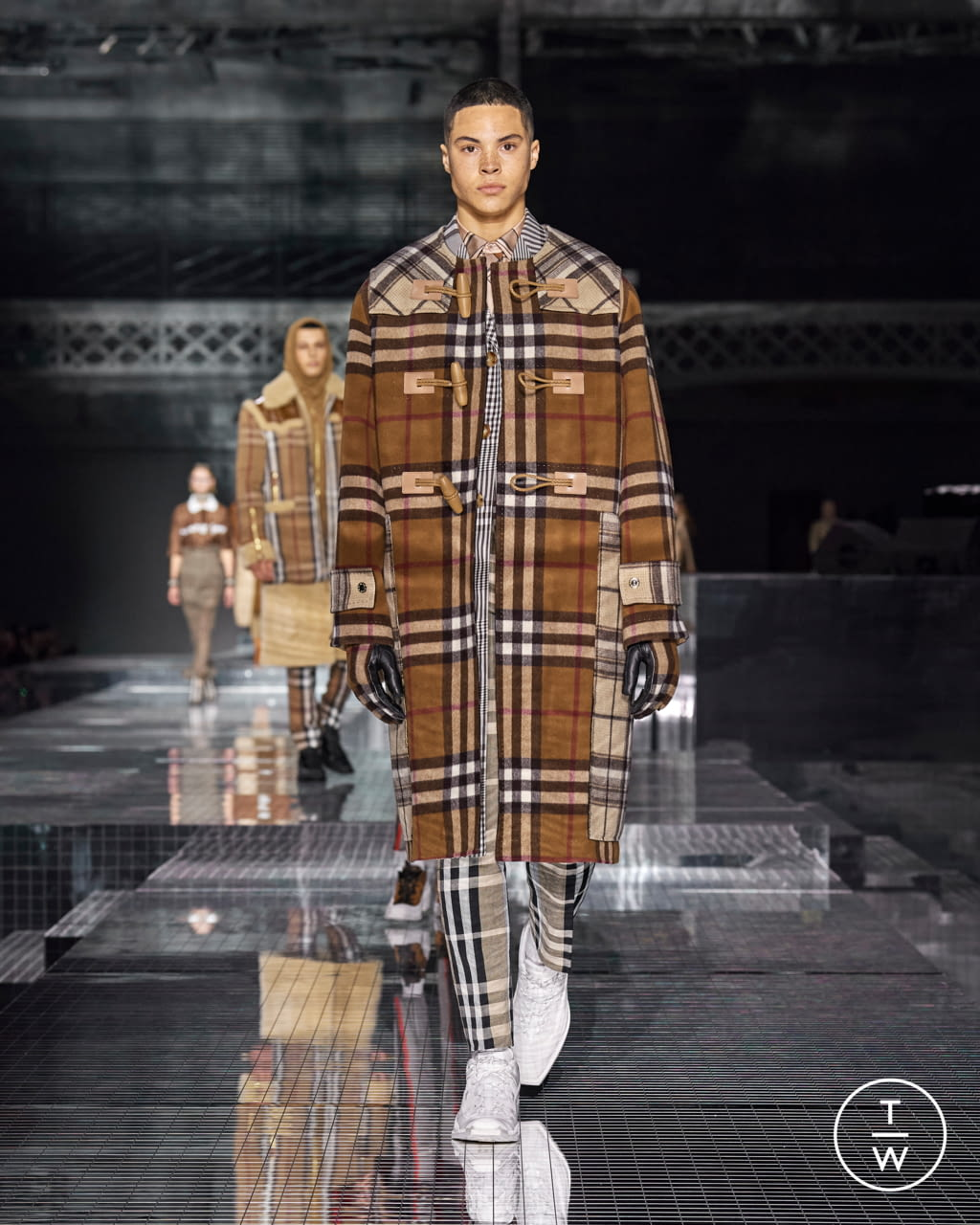 Fashion Week London Fall/Winter 2020 look 47 from the Burberry collection womenswear