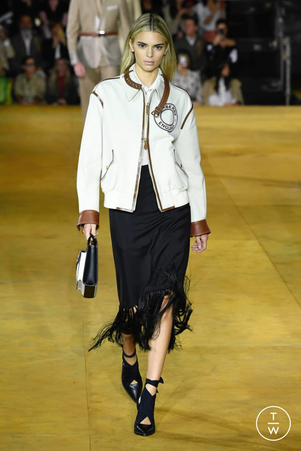 Fashion Week London Spring/Summer 2020 look 3 from the Burberry collection womenswear