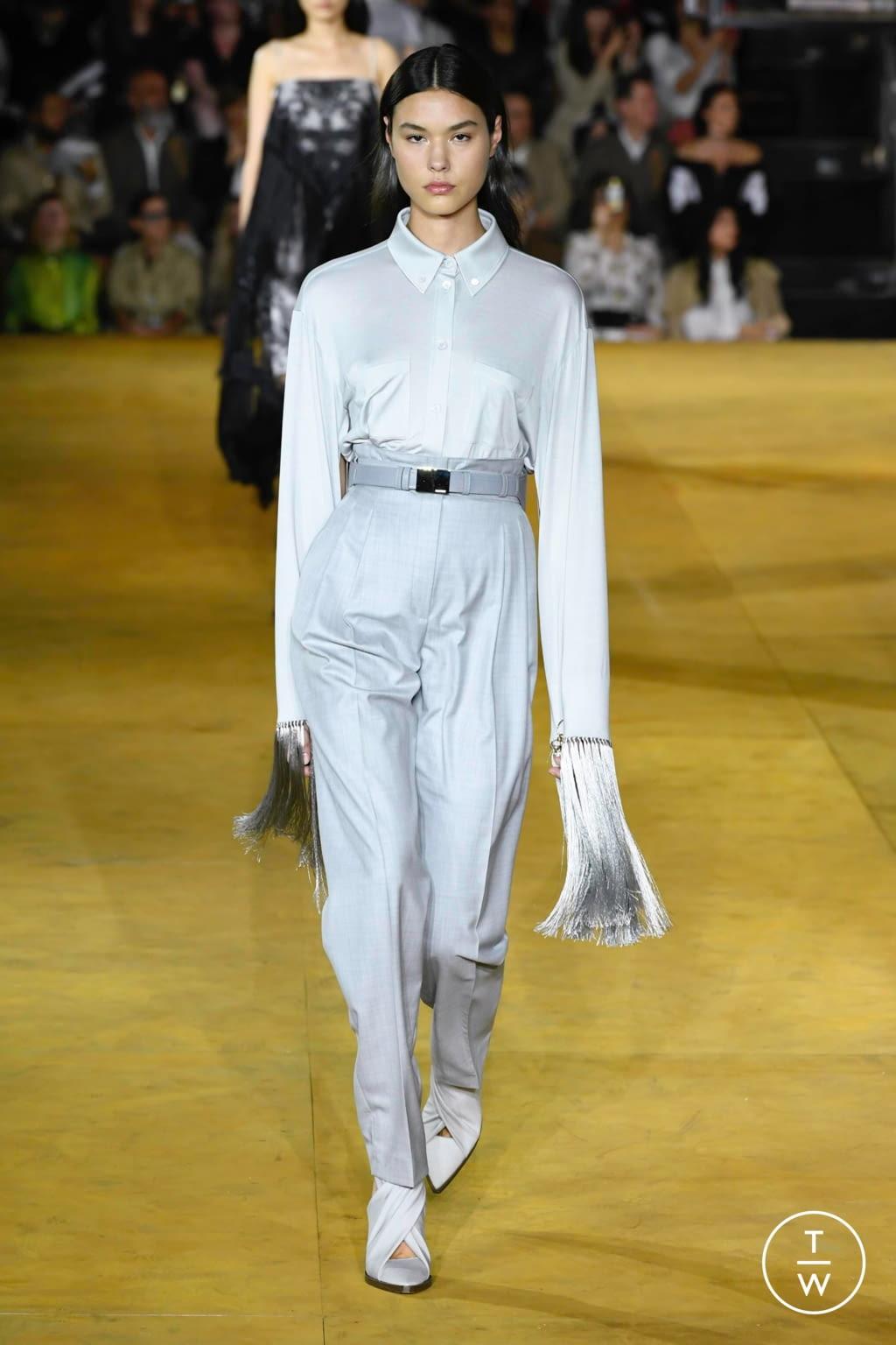 Fashion Week London Spring/Summer 2020 look 6 de la collection Burberry womenswear