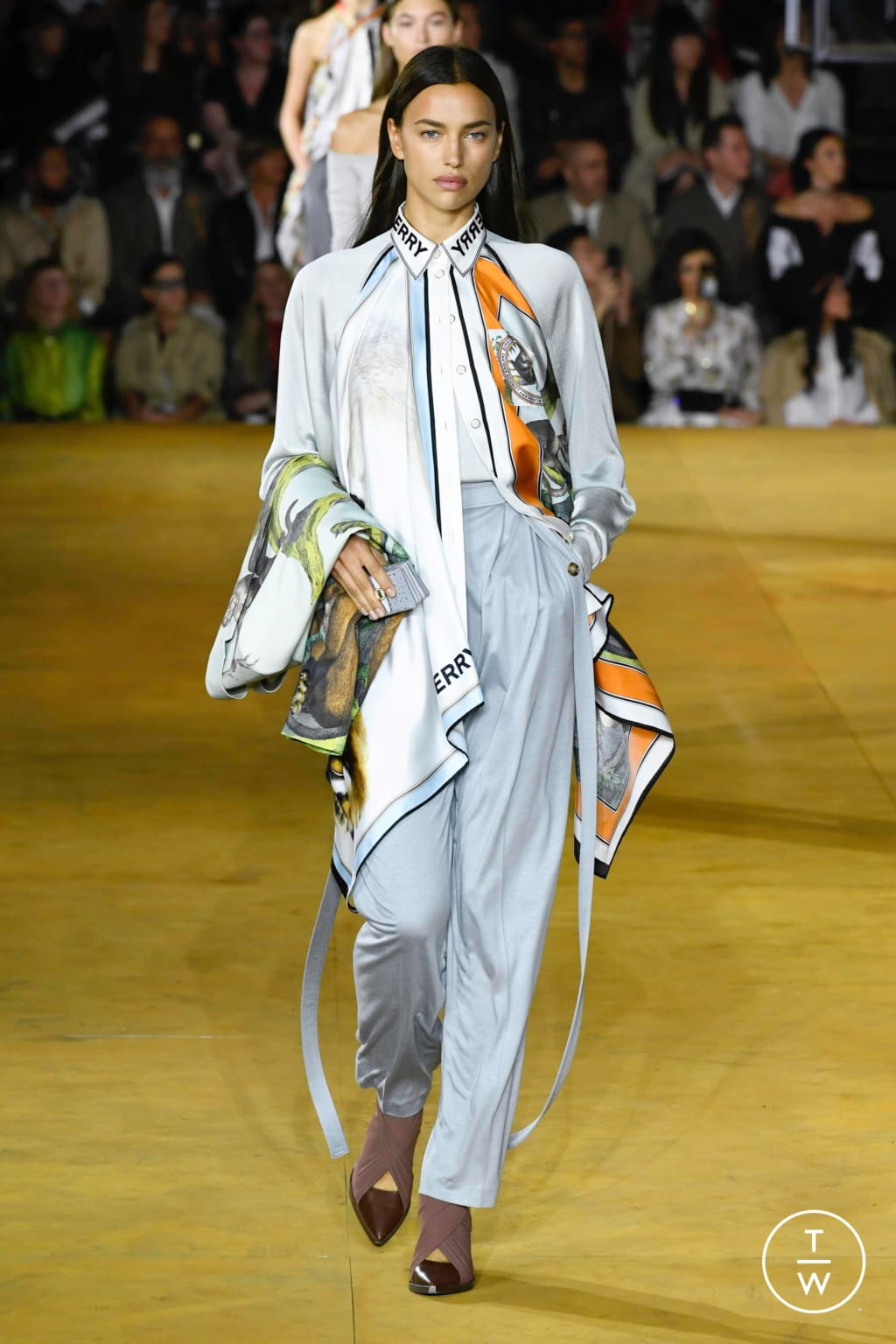 Fashion Week London Spring/Summer 2020 look 10 from the Burberry collection womenswear