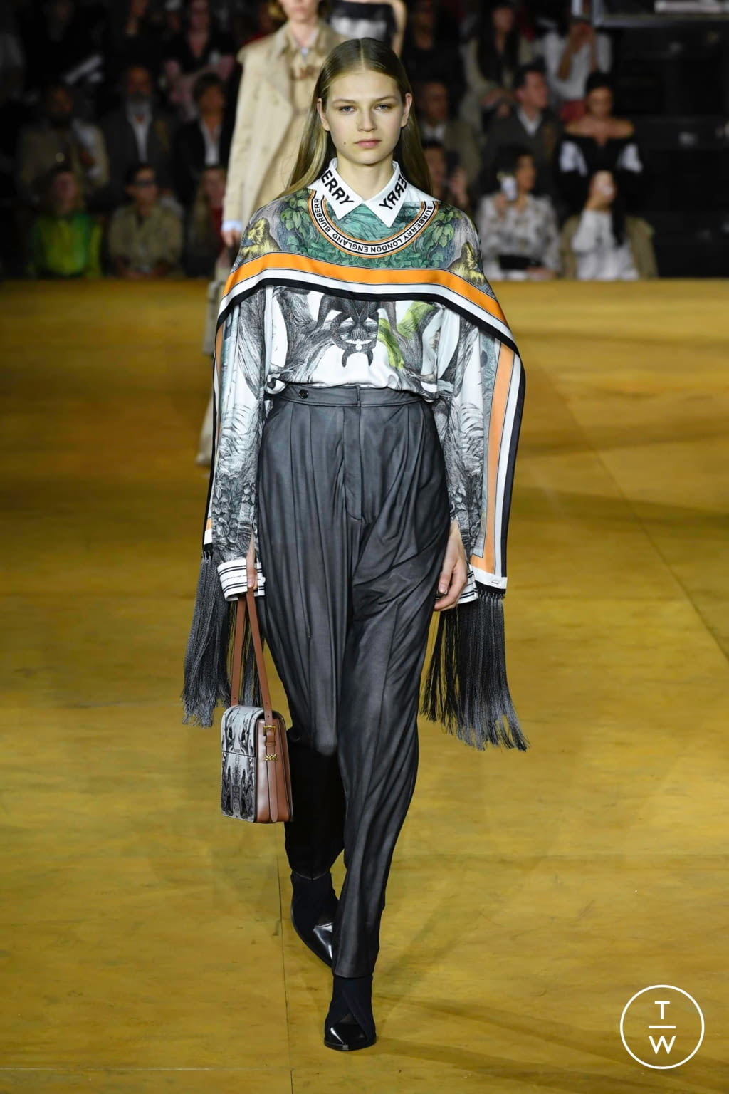 Fashion Week London Spring/Summer 2020 look 15 from the Burberry collection womenswear