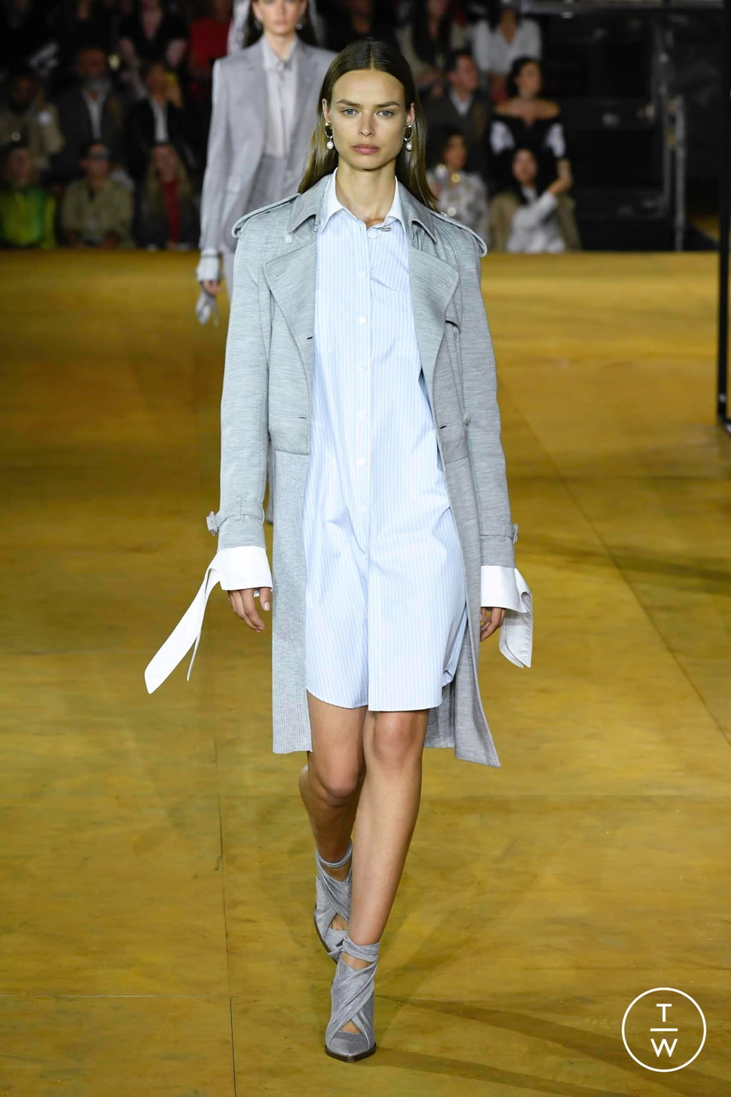 Fashion Week London Spring/Summer 2020 look 20 from the Burberry collection womenswear