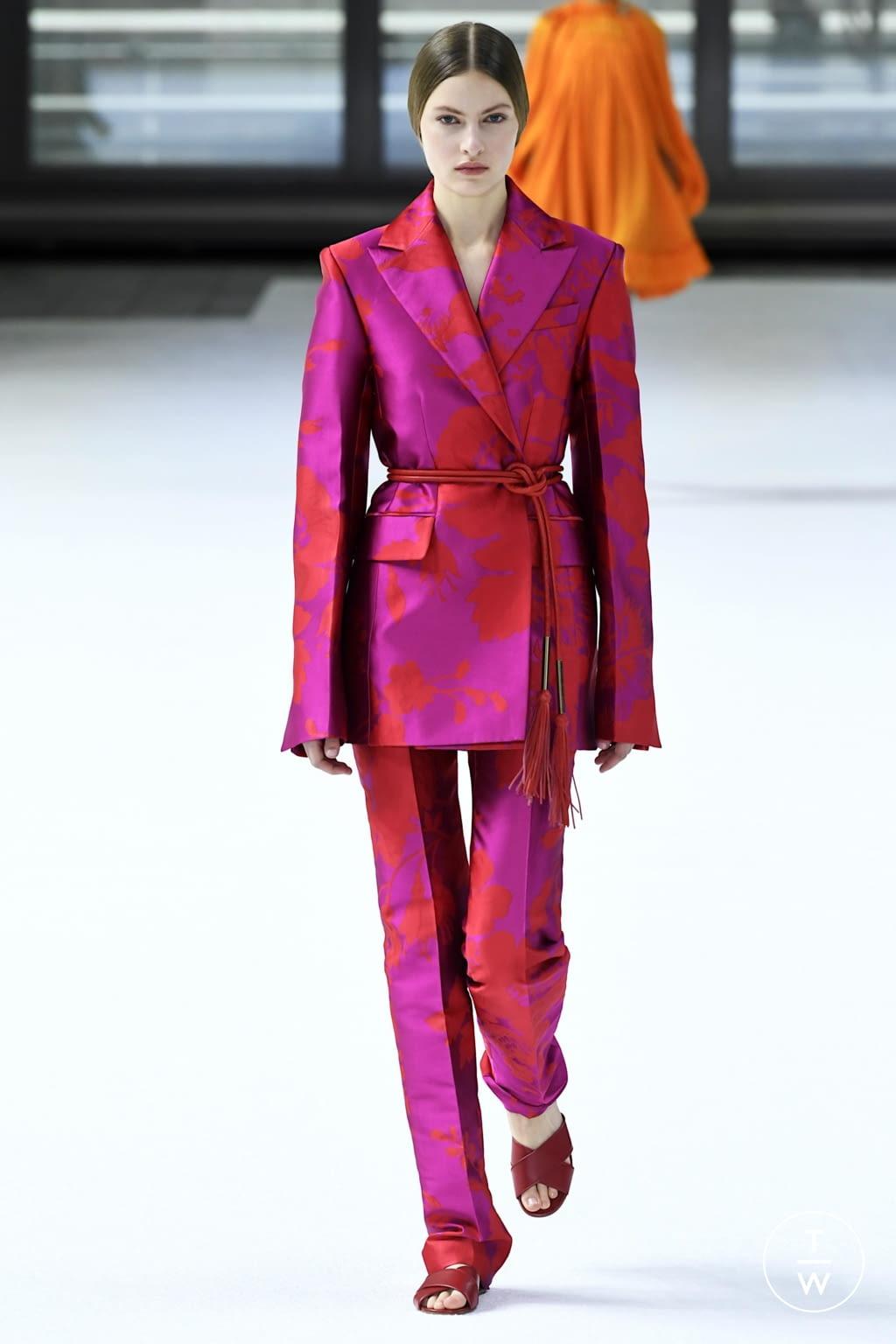 Fashion Week New York Fall/Winter 2020 look 31 from the Carolina Herrera collection womenswear
