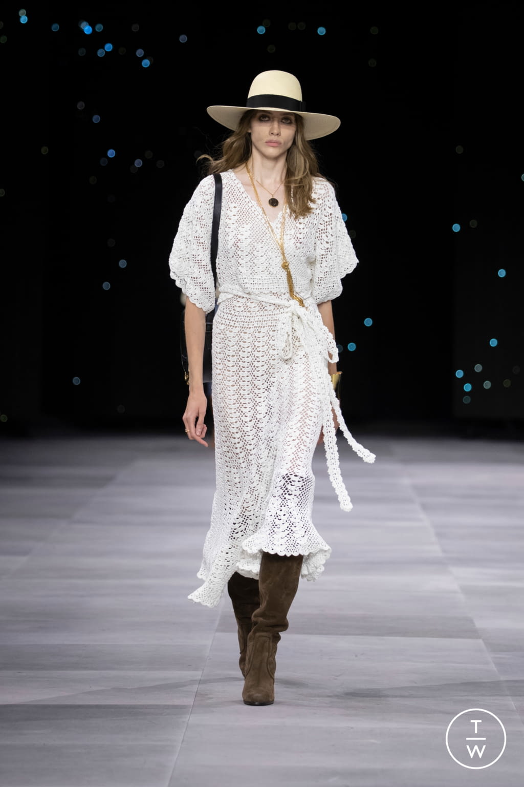 Fashion Week Paris Spring/Summer 2020 look 28 from the Celine collection womenswear