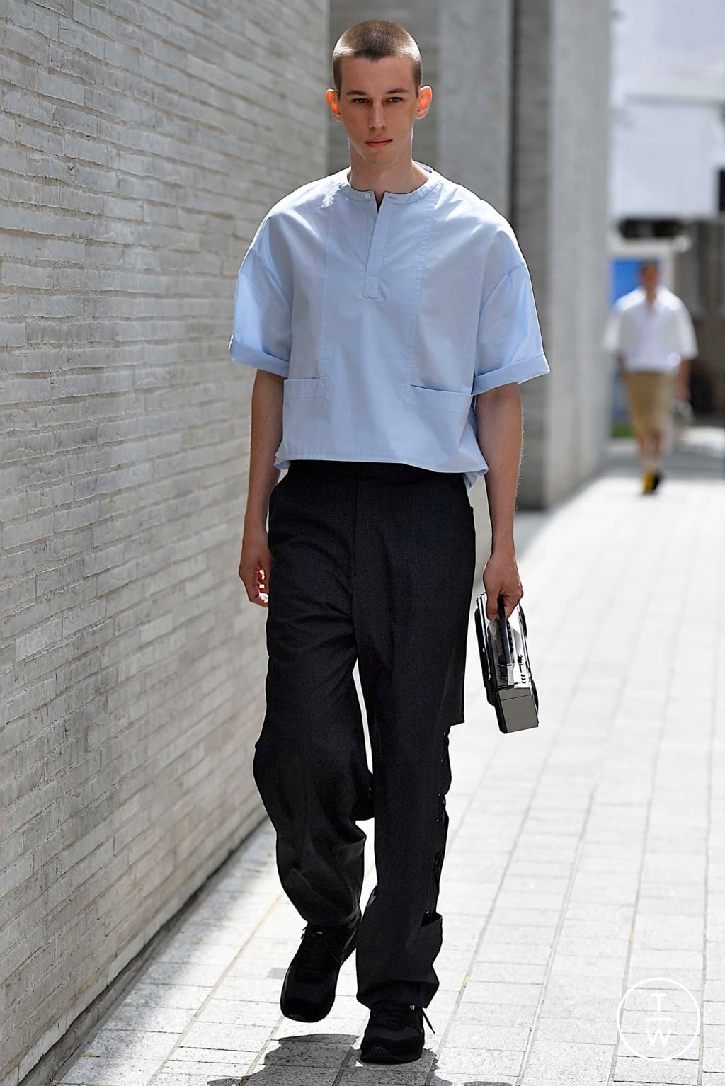 Fashion Week London Spring/Summer 2020 look 21 from the Chalayan collection menswear