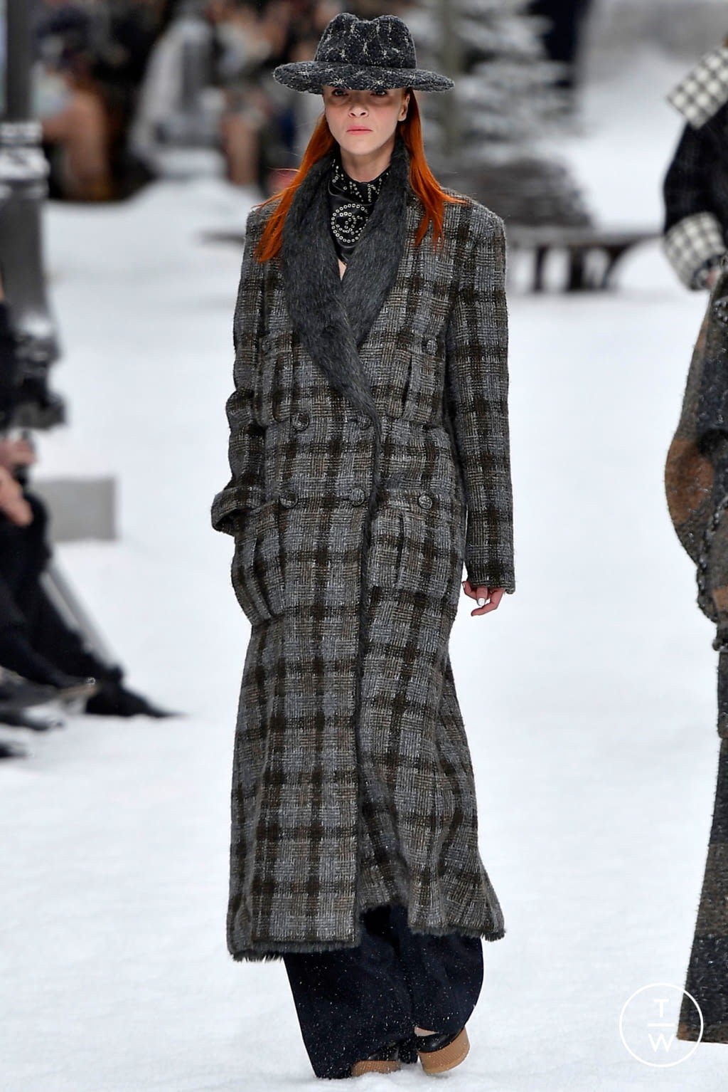Fashion Week Paris Fall/Winter 2019 look 5 from the Chanel collection womenswear