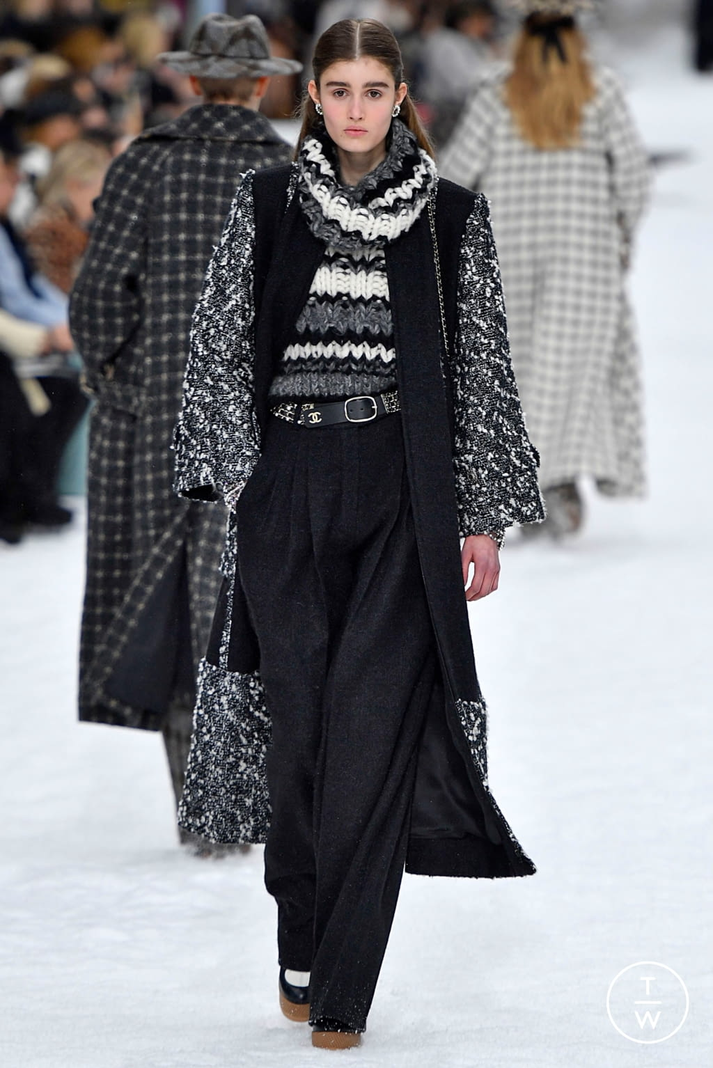 Fashion Week Paris Fall/Winter 2019 look 8 from the Chanel collection womenswear