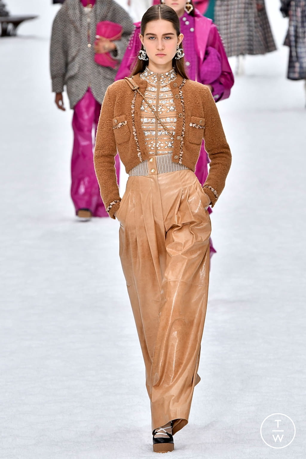 Fashion Week Paris Fall/Winter 2019 look 37 from the Chanel collection womenswear