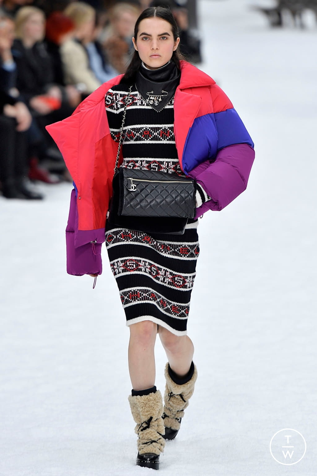 Fashion Week Paris Fall/Winter 2019 look 47 from the Chanel collection womenswear