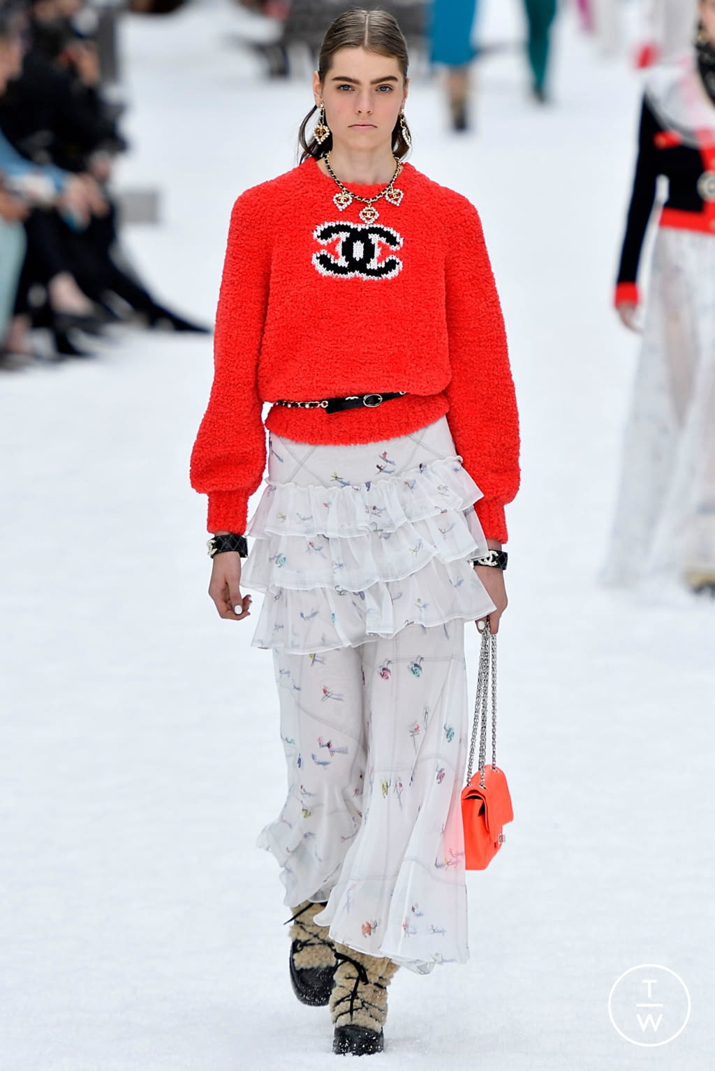 Fashion Week Paris Fall/Winter 2019 look 48 from the Chanel collection womenswear