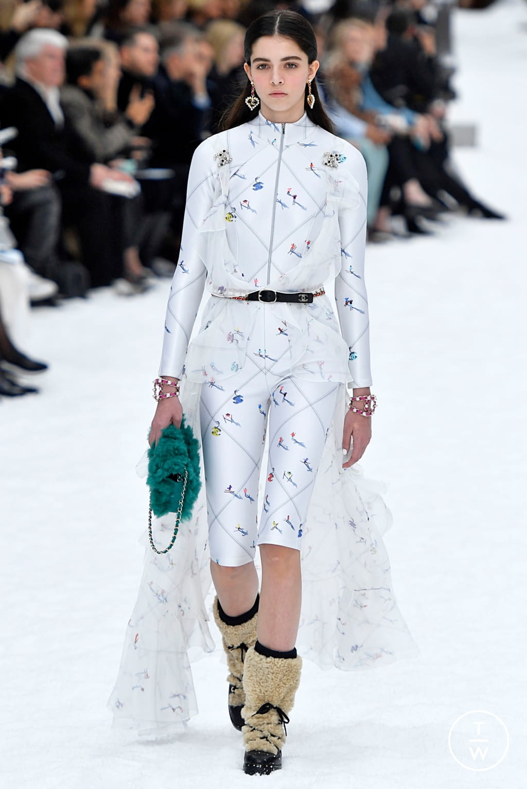 Fashion Week Paris Fall/Winter 2019 look 51 from the Chanel collection womenswear