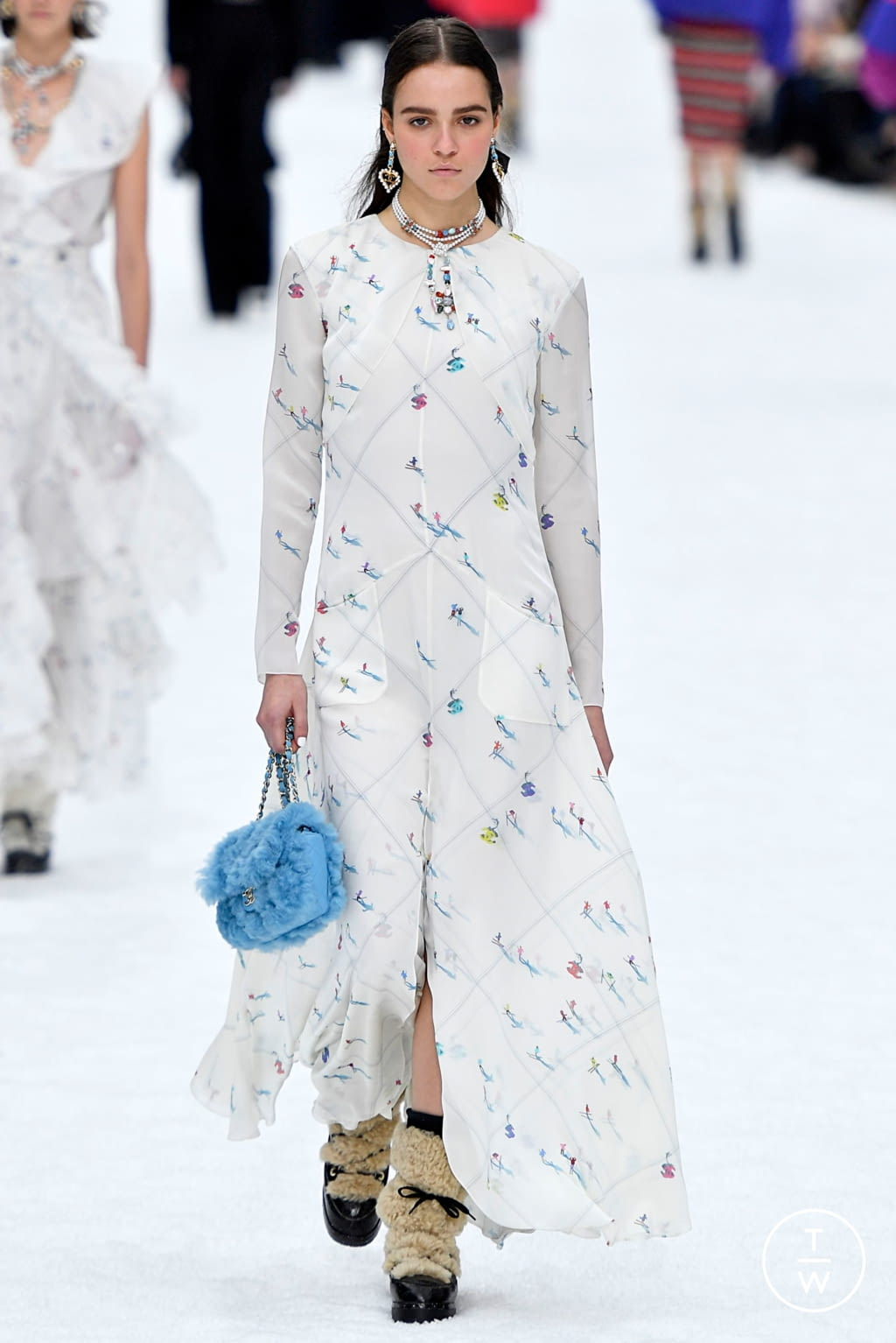 Fashion Week Paris Fall/Winter 2019 look 52 from the Chanel collection womenswear