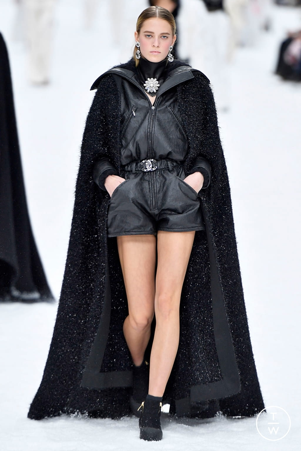 Fashion Week Paris Fall/Winter 2019 look 57 from the Chanel collection womenswear