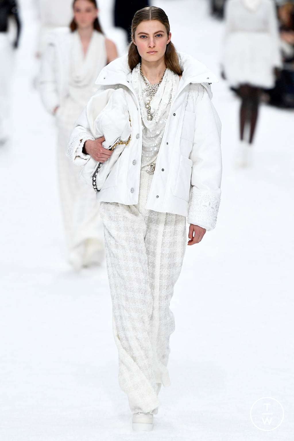 Fashion Week Paris Fall/Winter 2019 look 66 from the Chanel collection womenswear