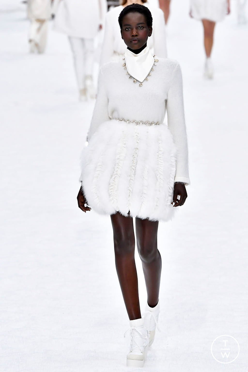 Fashion Week Paris Fall/Winter 2019 look 68 from the Chanel collection 女装