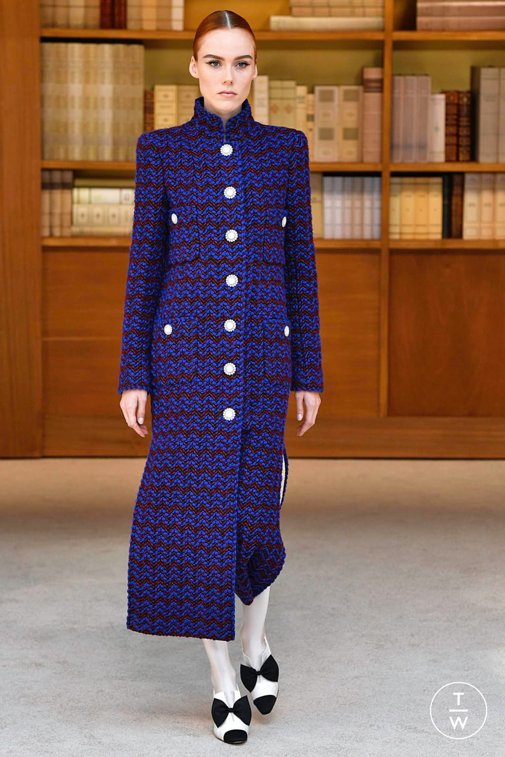 Fashion Week Paris Fall/Winter 2019 look 1 from the Chanel collection 高级定制