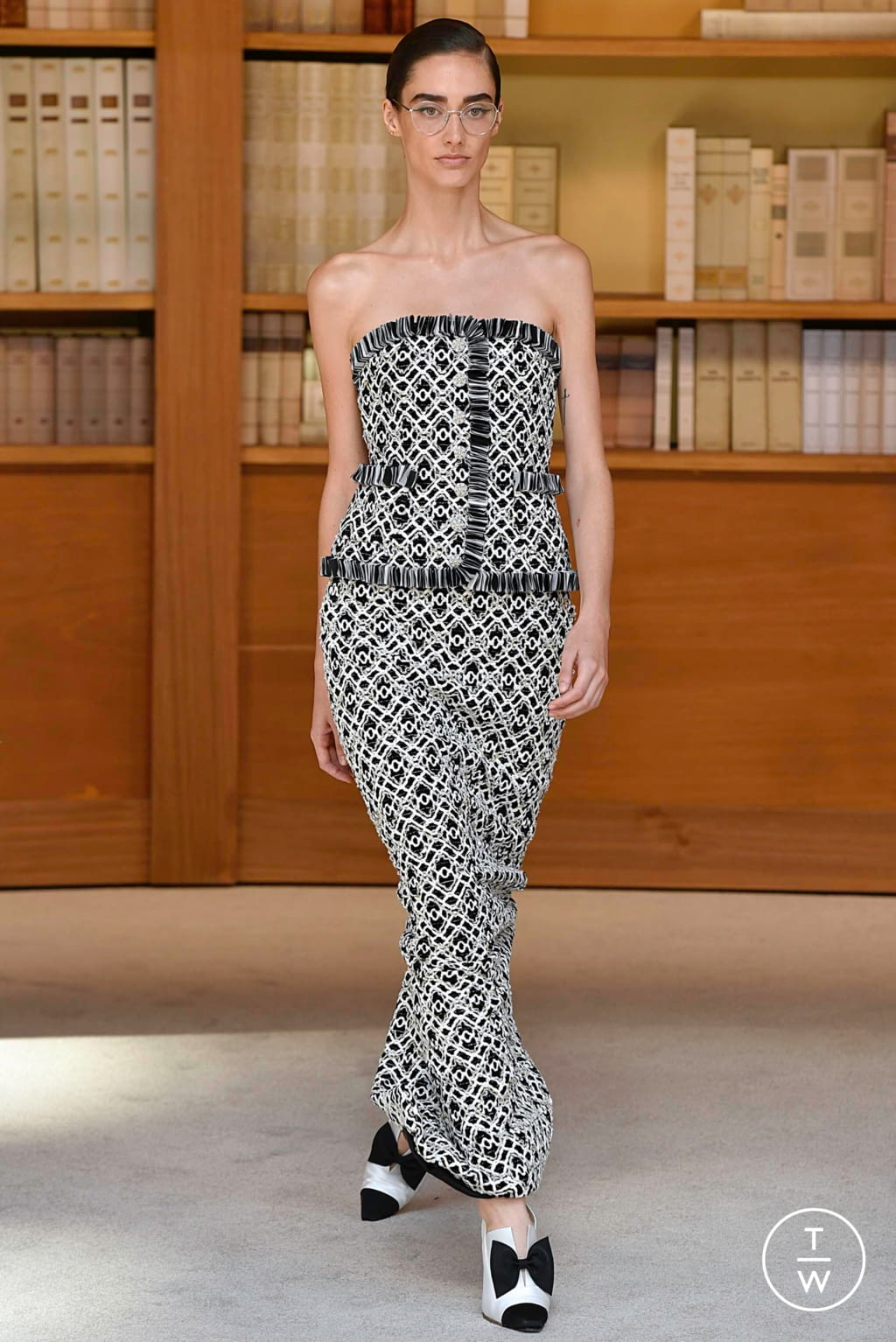 Fashion Week Paris Fall/Winter 2019 look 26 from the Chanel collection 高级定制