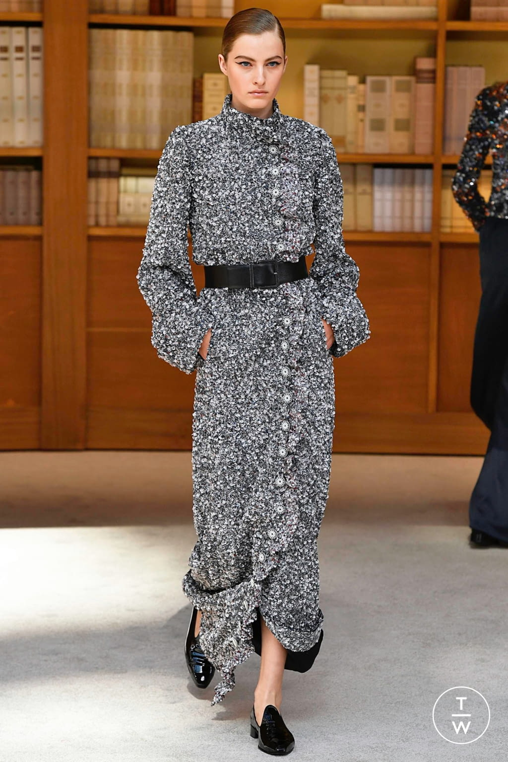 Fashion Week Paris Fall/Winter 2019 look 46 from the Chanel collection couture