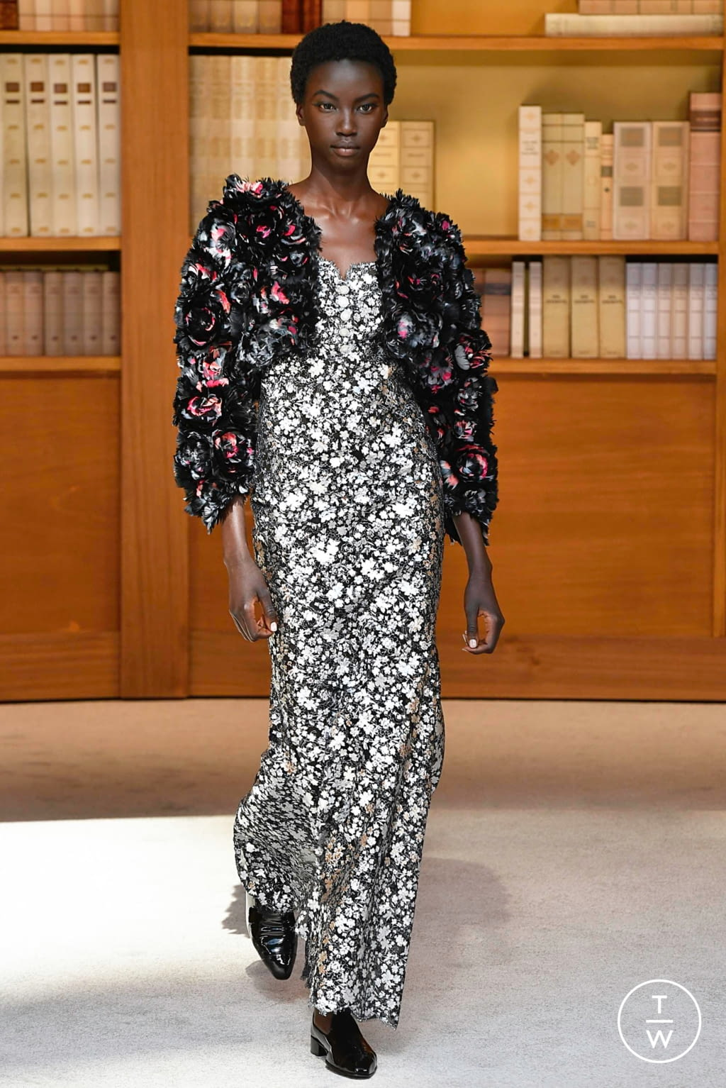 Fashion Week Paris Fall/Winter 2019 look 47 from the Chanel collection 高级定制