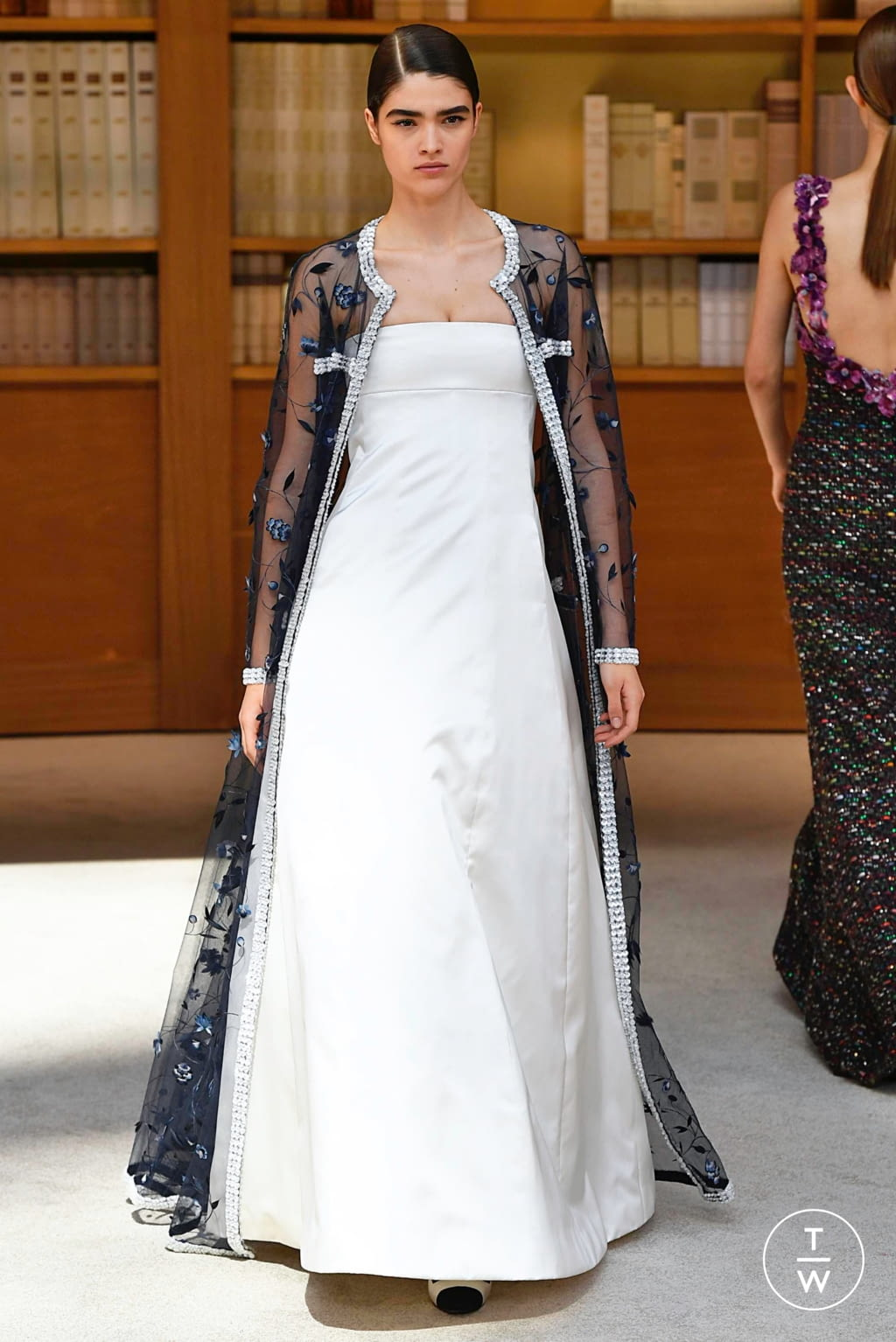 Fashion Week Paris Fall/Winter 2019 look 49 from the Chanel collection couture