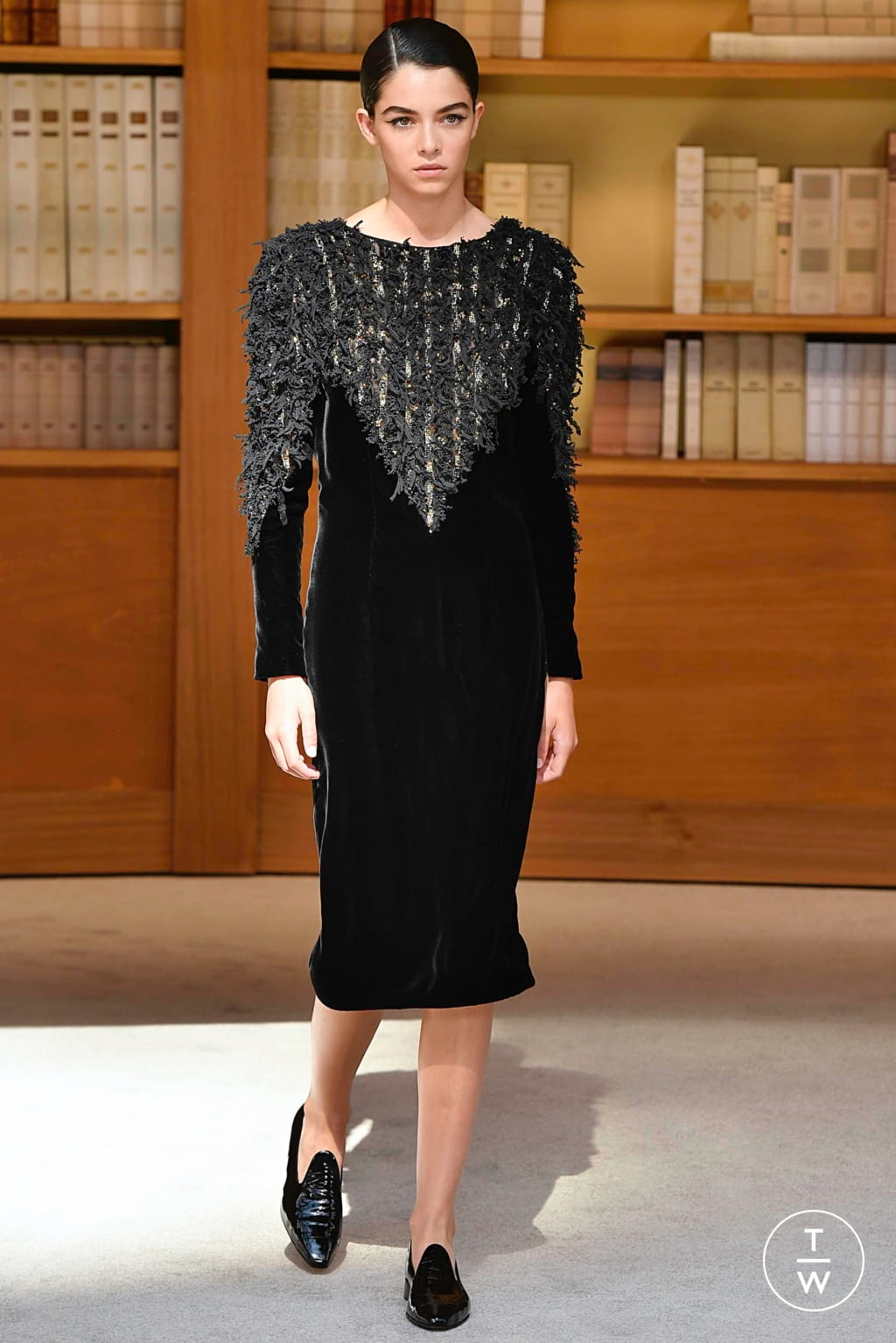 Fashion Week Paris Fall/Winter 2019 look 55 from the Chanel collection couture