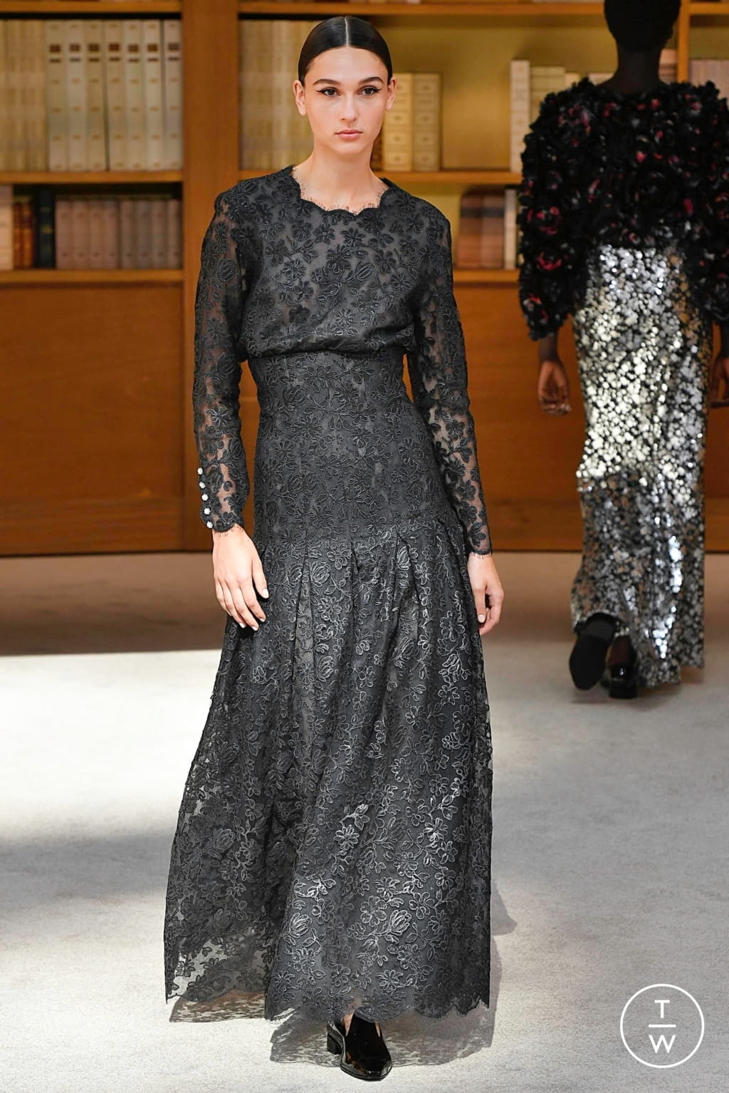 Fashion Week Paris Fall/Winter 2019 look 57 from the Chanel collection couture
