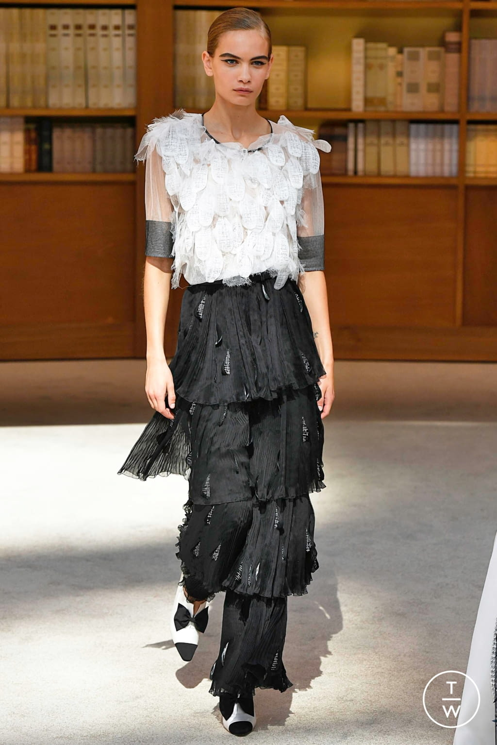 Fashion Week Paris Fall/Winter 2019 look 59 from the Chanel collection couture