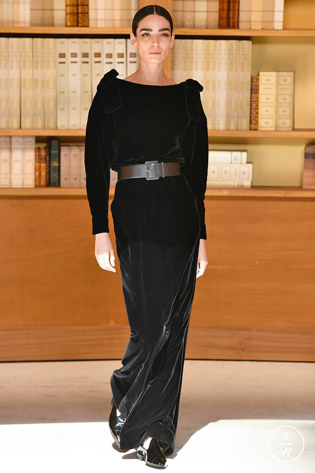 Fashion Week Paris Fall/Winter 2019 look 65 from the Chanel collection couture