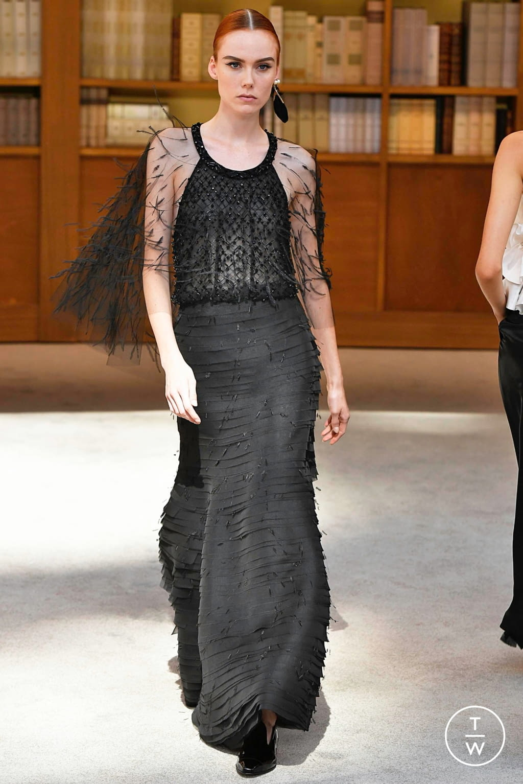 Fashion Week Paris Fall/Winter 2019 look 69 from the Chanel collection couture