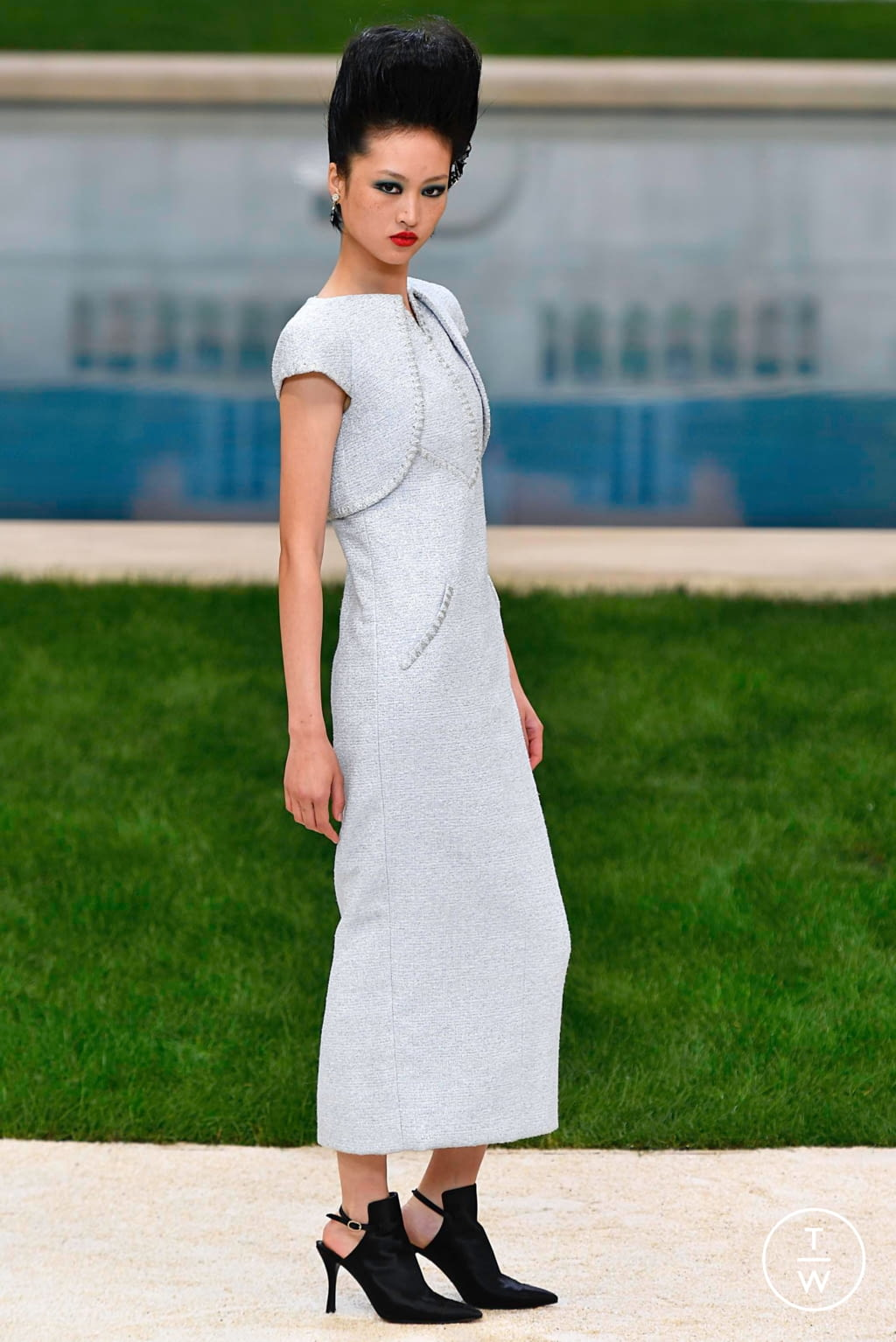 Fashion Week Paris Spring/Summer 2019 look 5 from the Chanel collection couture