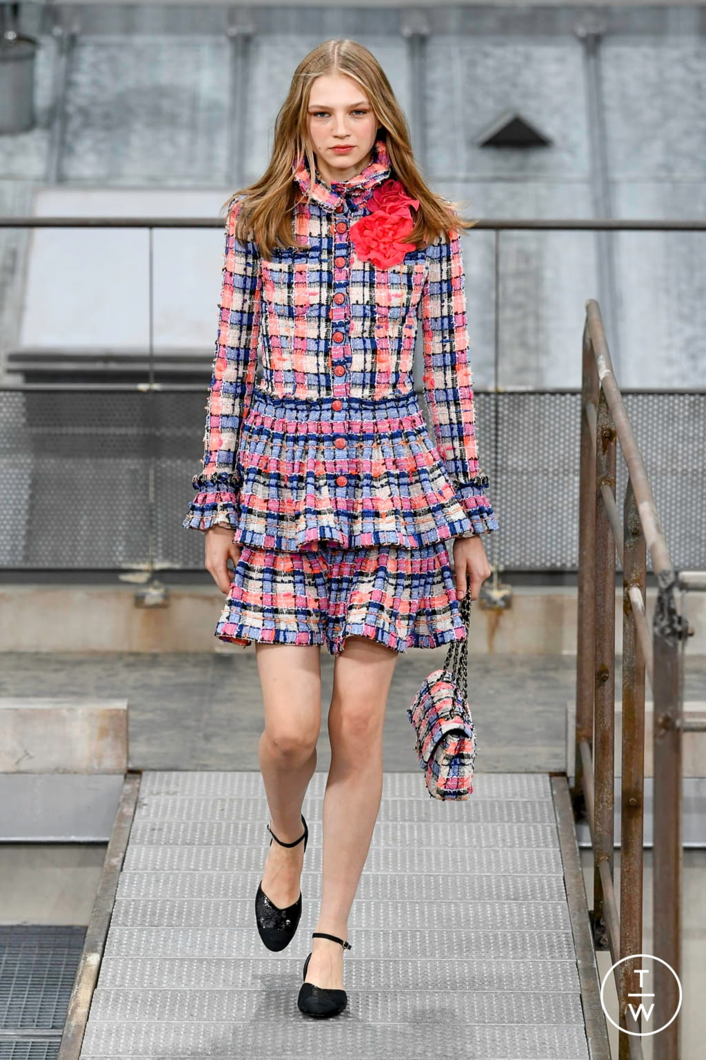 Fashion Week Paris Spring/Summer 2020 look 11 from the Chanel collection womenswear