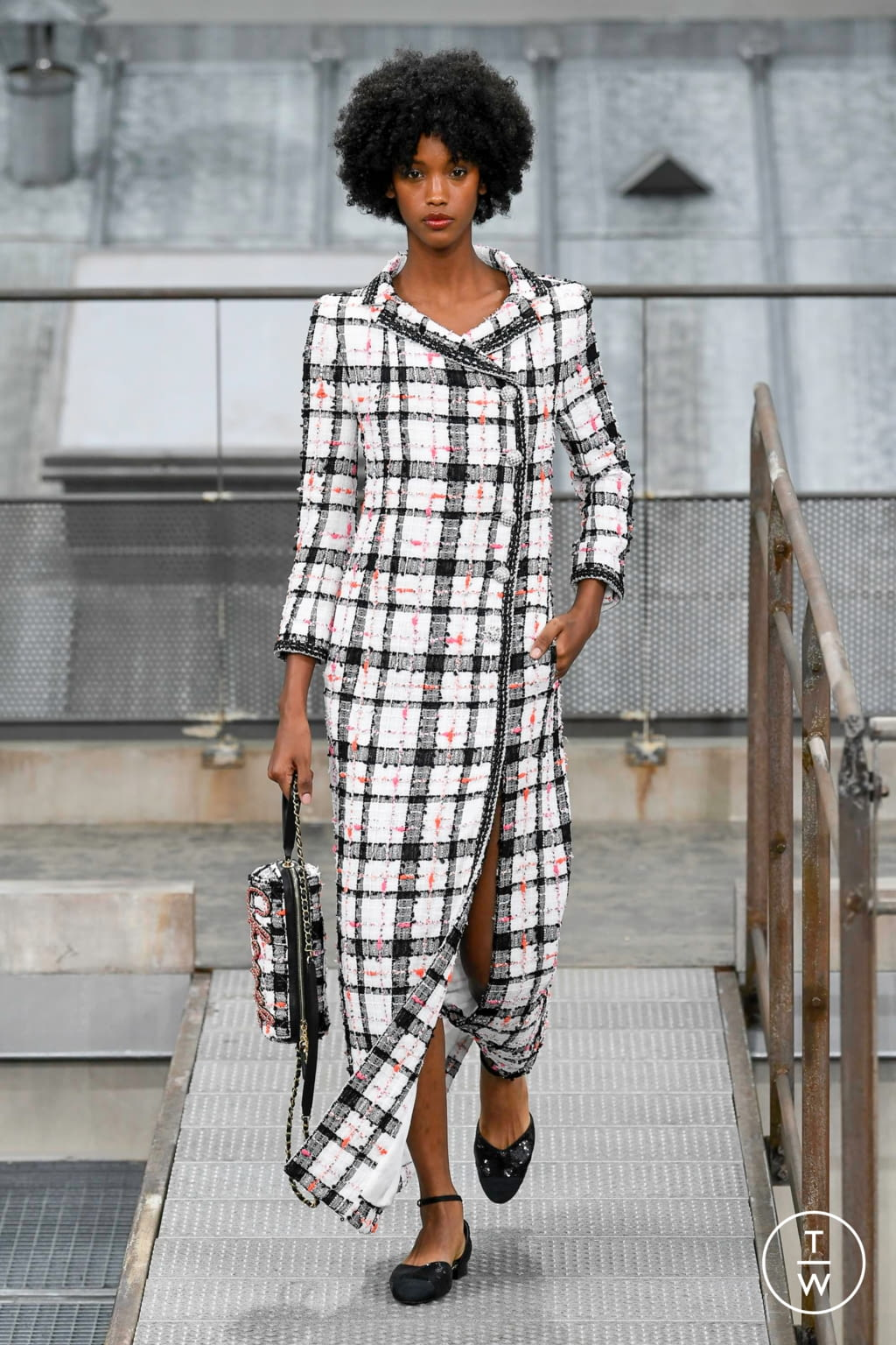 Fashion Week Paris Spring/Summer 2020 look 12 from the Chanel collection womenswear