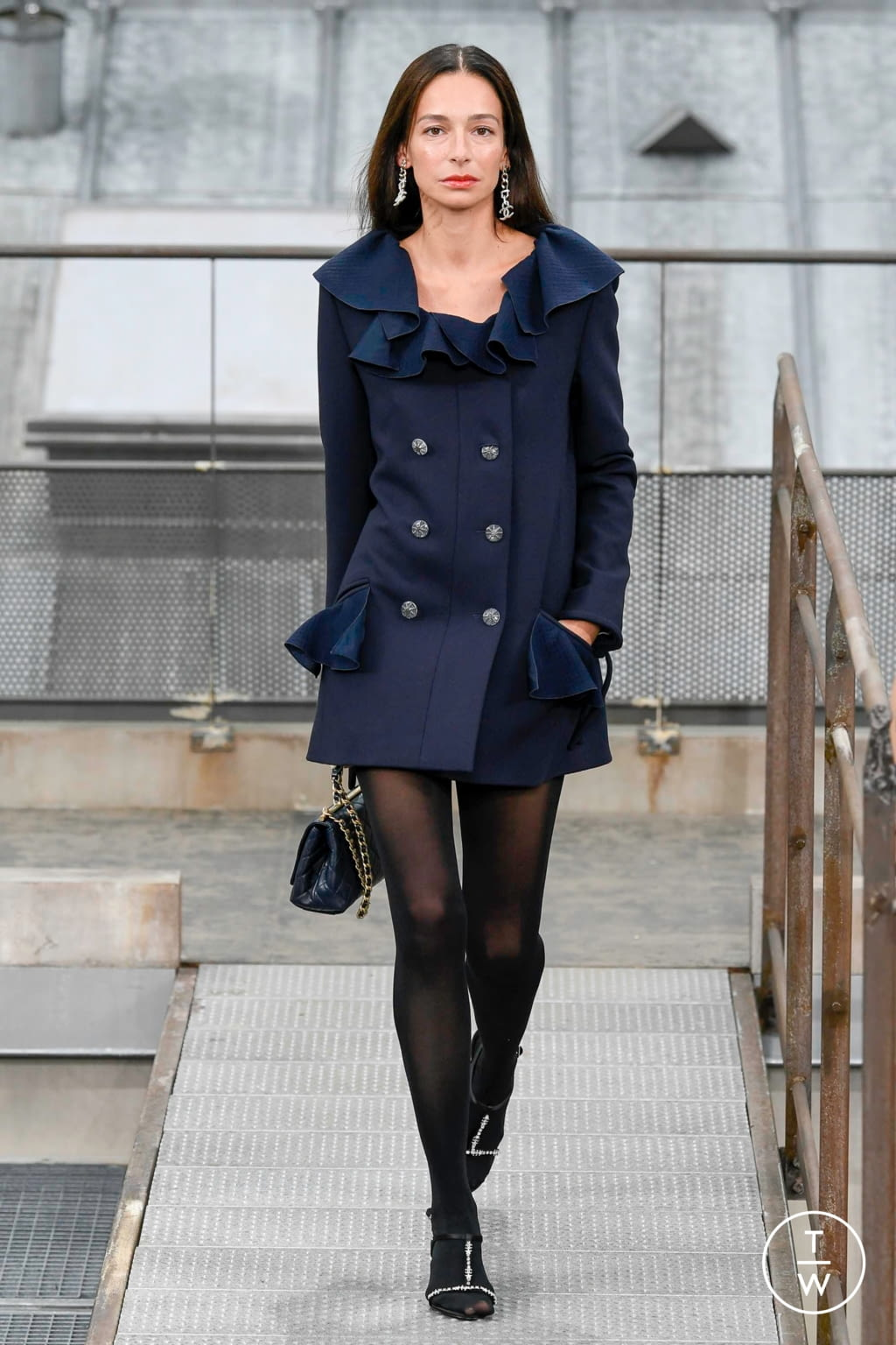 Fashion Week Paris Spring/Summer 2020 look 22 from the Chanel collection womenswear