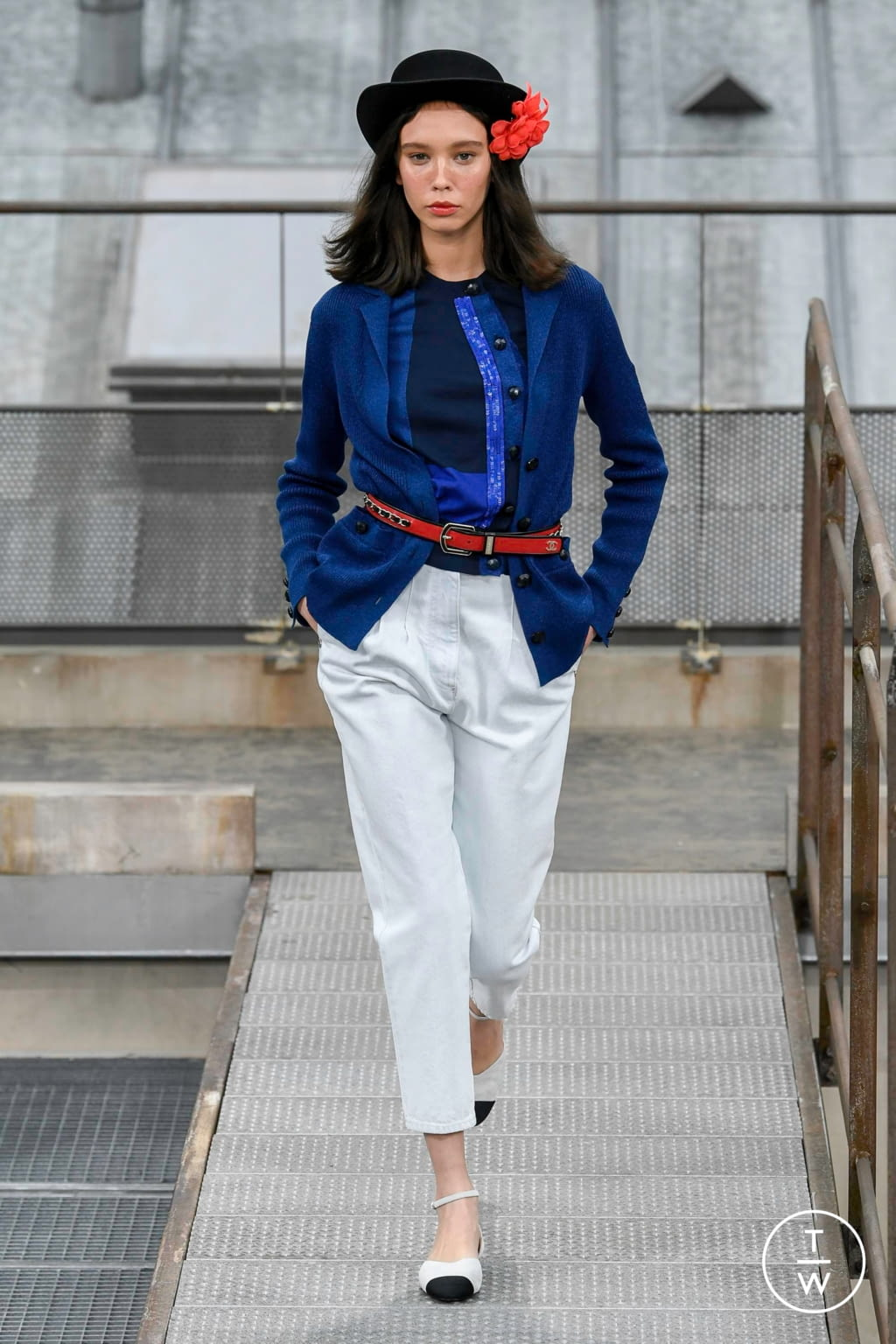Fashion Week Paris Spring/Summer 2020 look 37 from the Chanel collection womenswear