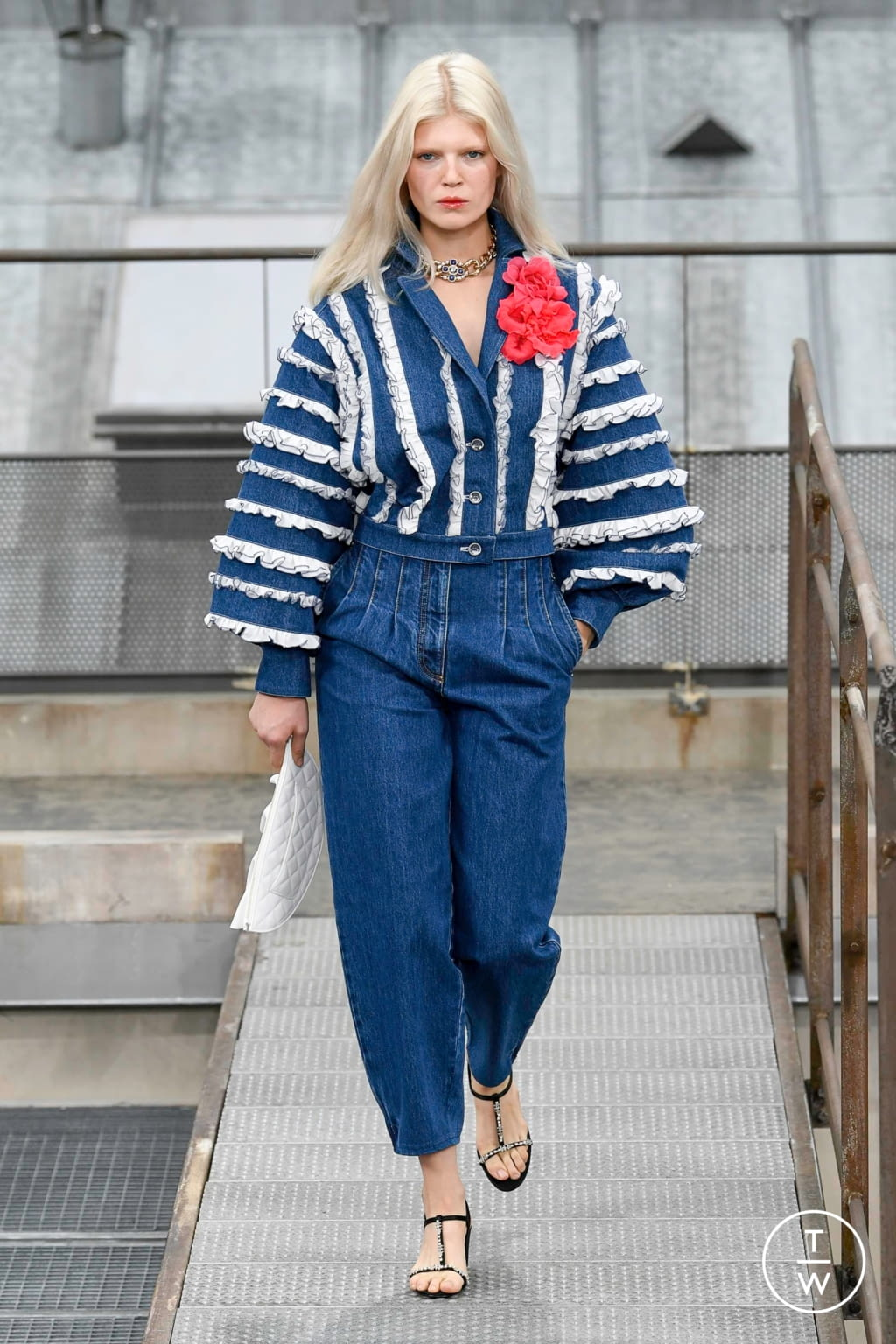 Fashion Week Paris Spring/Summer 2020 look 39 from the Chanel collection womenswear
