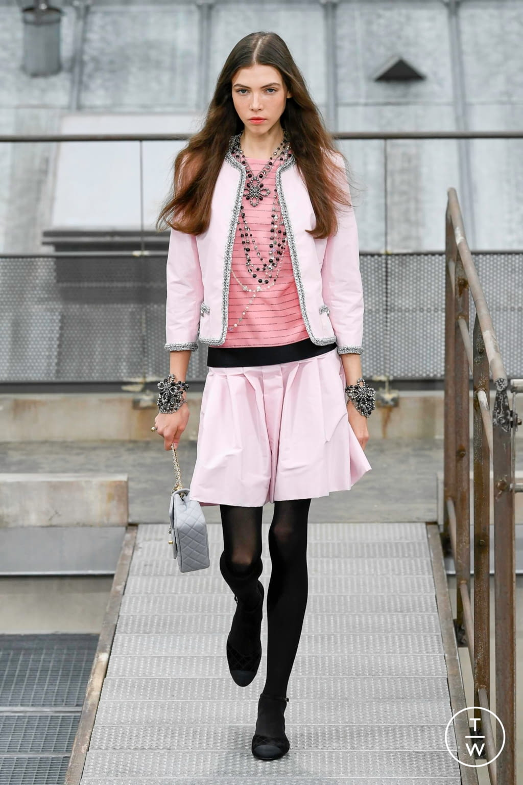 Fashion Week Paris Spring/Summer 2020 look 48 from the Chanel collection womenswear