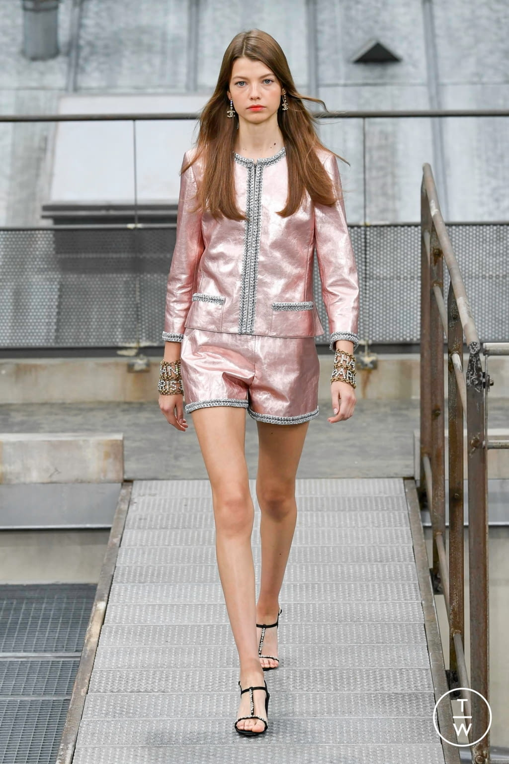 Fashion Week Paris Spring/Summer 2020 look 49 from the Chanel collection womenswear