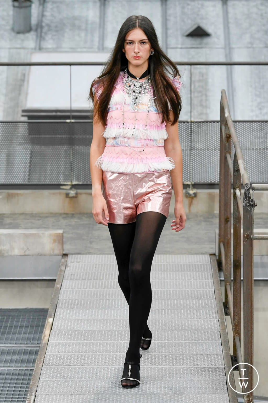 Fashion Week Paris Spring/Summer 2020 look 50 from the Chanel collection womenswear
