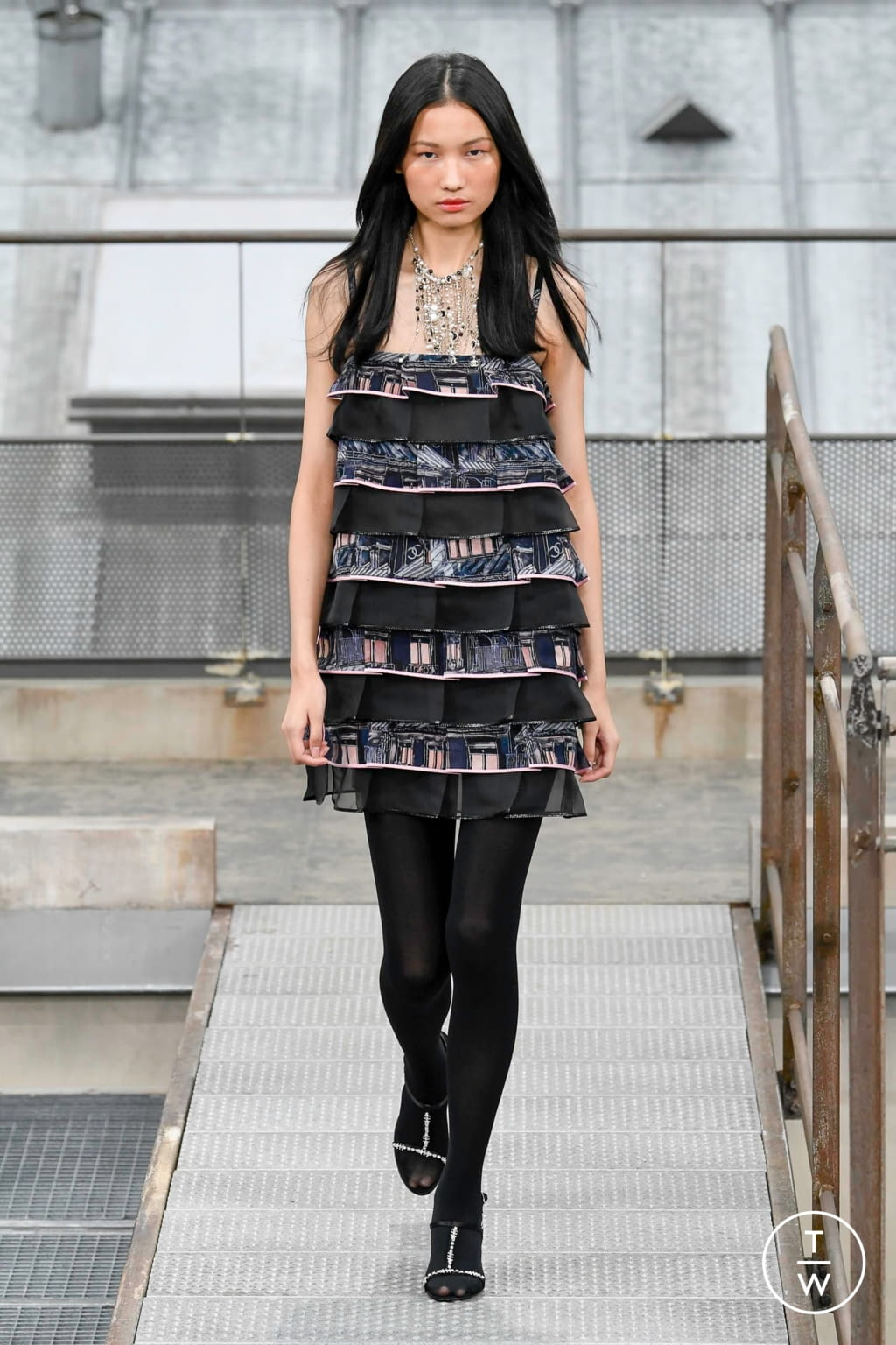 Fashion Week Paris Spring/Summer 2020 look 52 from the Chanel collection womenswear