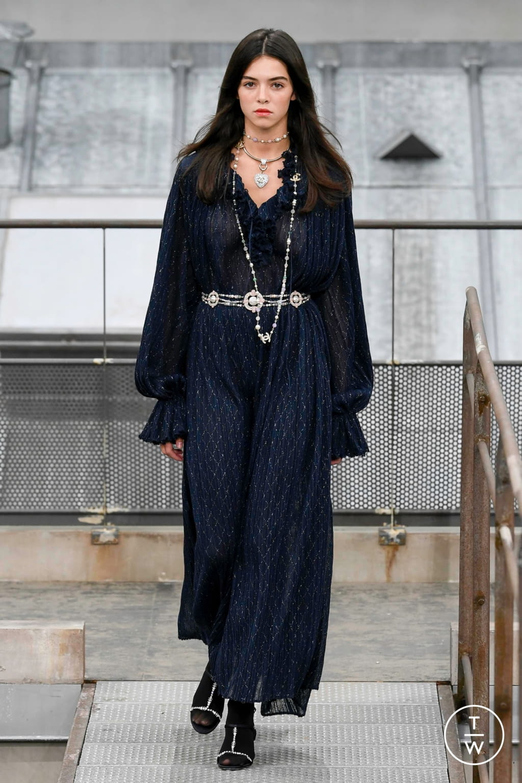 Fashion Week Paris Spring/Summer 2020 look 54 from the Chanel collection womenswear